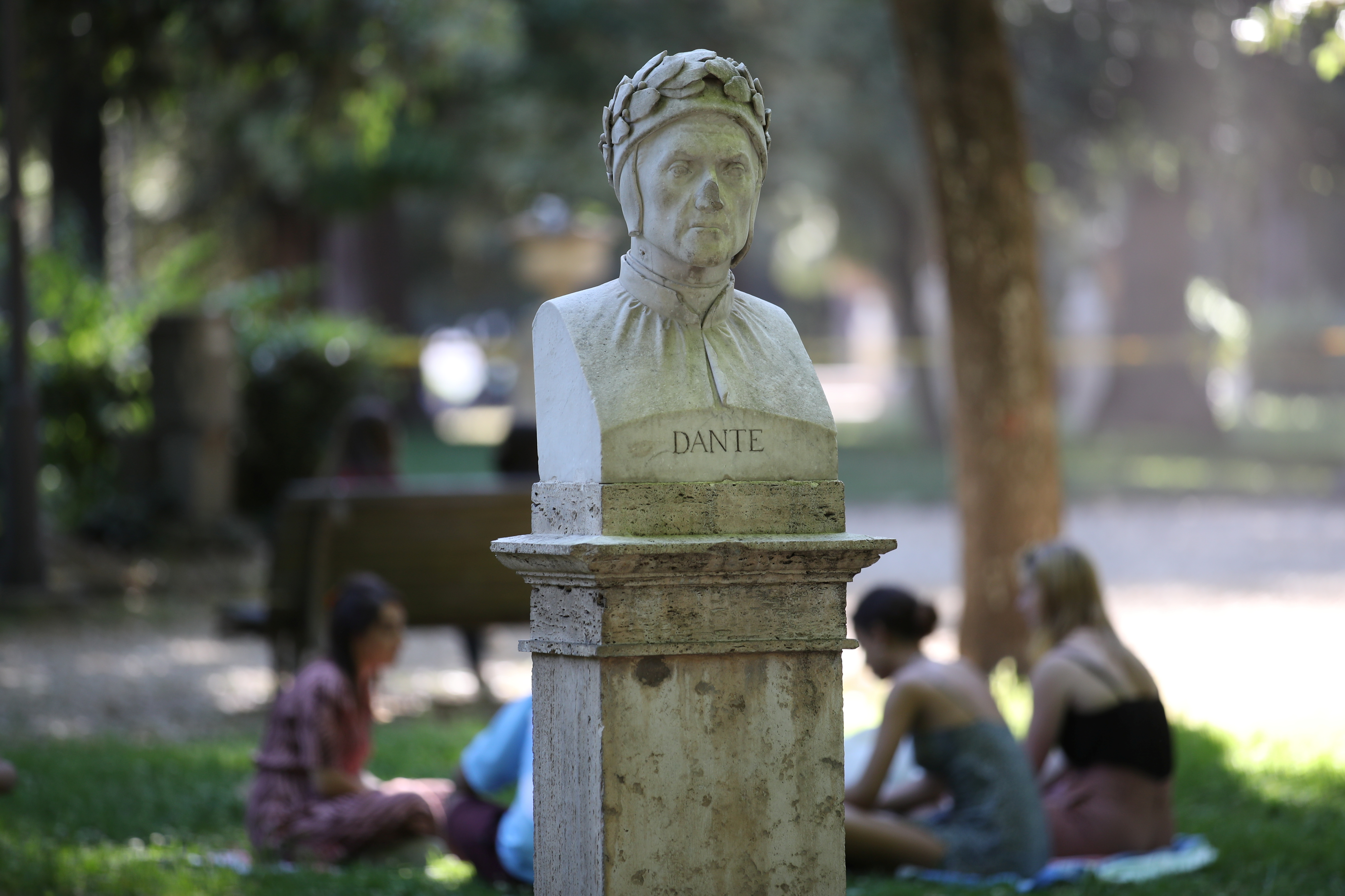 The bust of Italian poet Dante Alighieri is seen at Villa Borghese park, in Rome, Italy June 1, 2021. Picture taken June 1, 2021. REUTERS/Yara Nardi