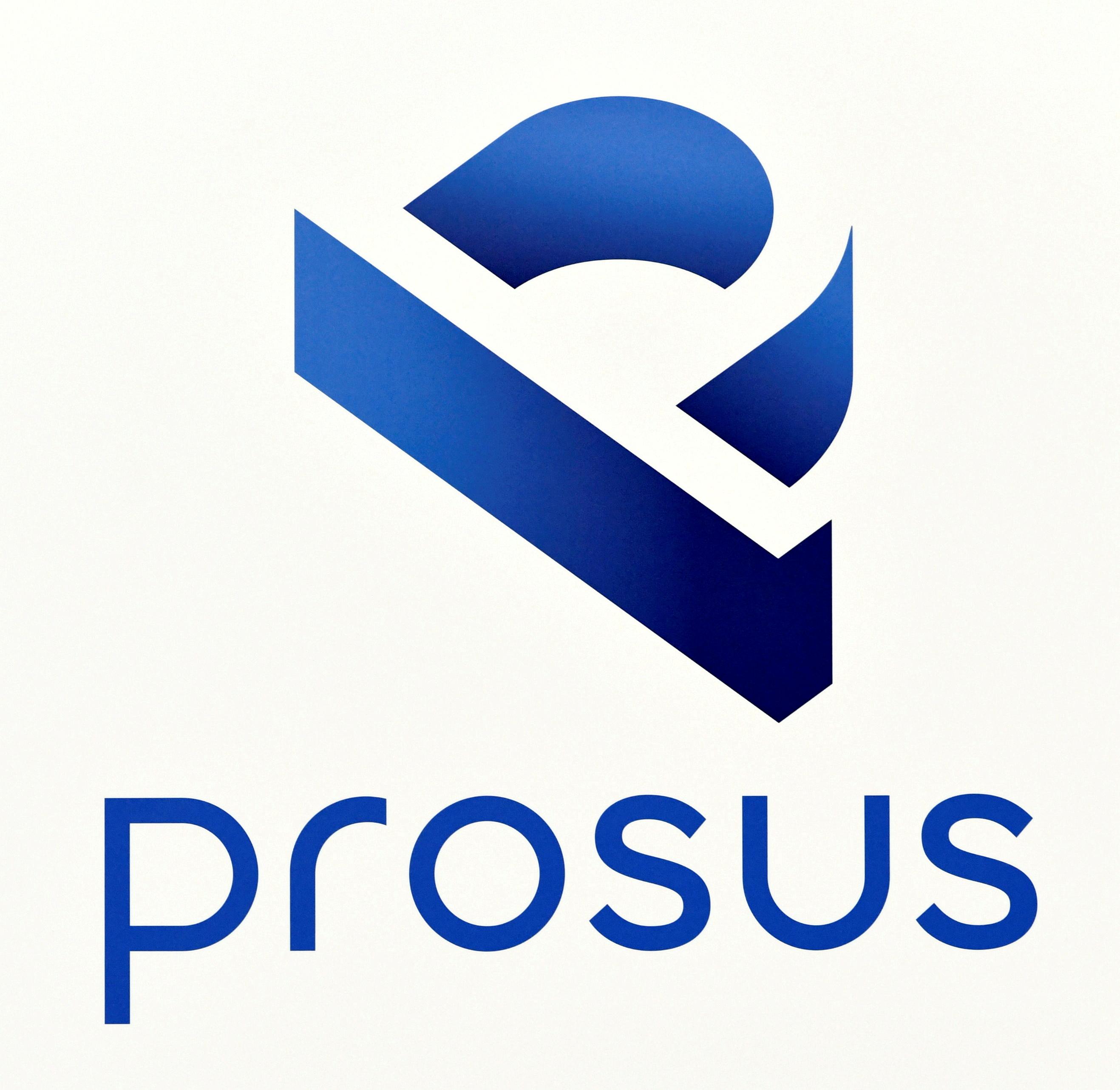 Un logotipo de Prosus se muestra en el edificio de la bolsa de valores de Ámsterdam cuando Prosus comienza a cotizar en la bolsa de valores de Euronext en Ámsterdam, Países Bajos, el 11 de septiembre de 2019. REUTERS / Piroschka van de Wouw