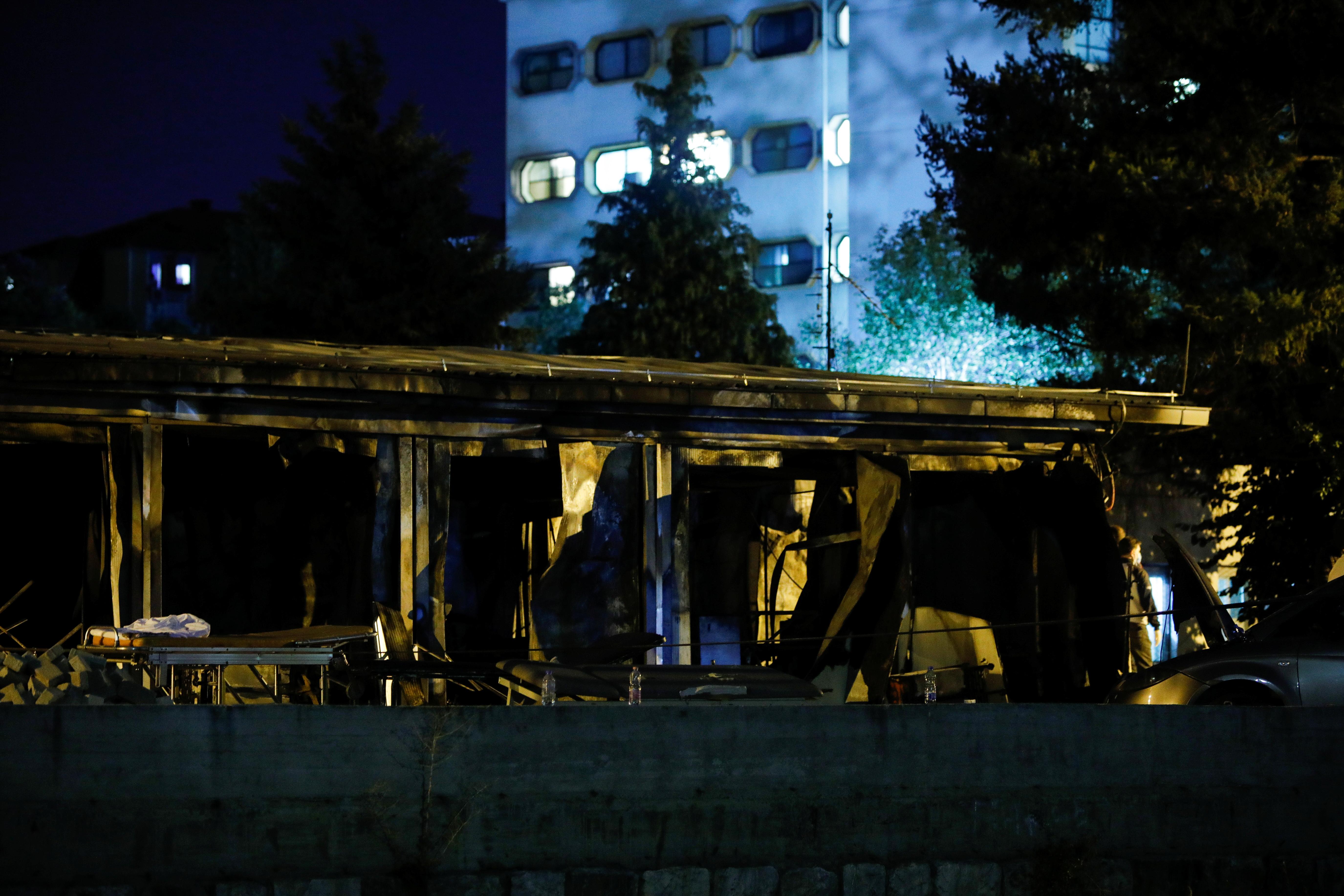 Госпіталь для пацієнтів з коронавірусною хворобою (COVID-19) відвідують після пожежі у Тетово, Північна Македонія, 9 вересня 2021 року. REUTERS/Огнен Теофіловський