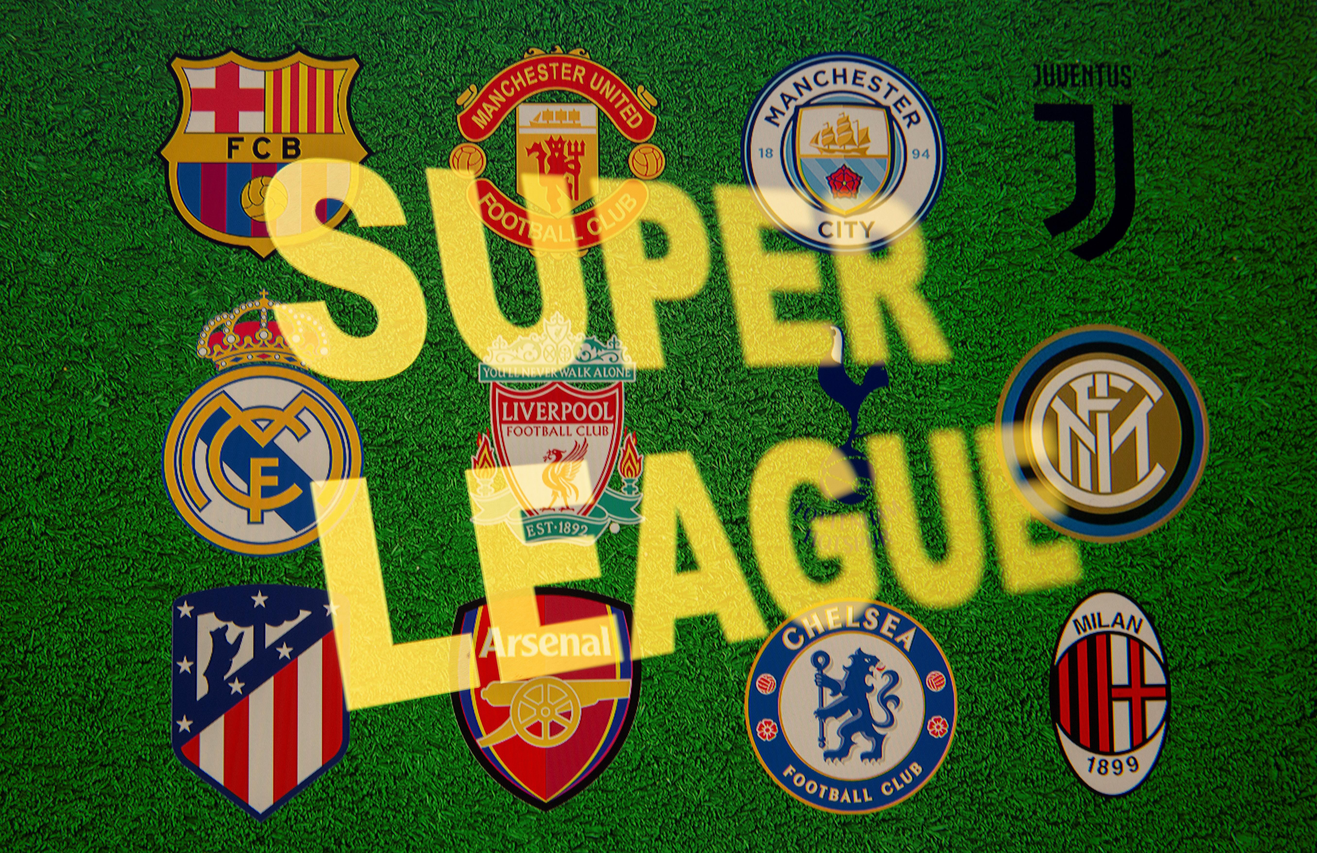 Các từ Super League được nhìn thấy trước mười hai biểu trưng của các câu lạc bộ bóng đá hàng đầu châu Âu trong hình minh họa này được chụp vào ngày 19 tháng 4 năm 2021. REUTERS / Dado Ruvic / Hình minh họa