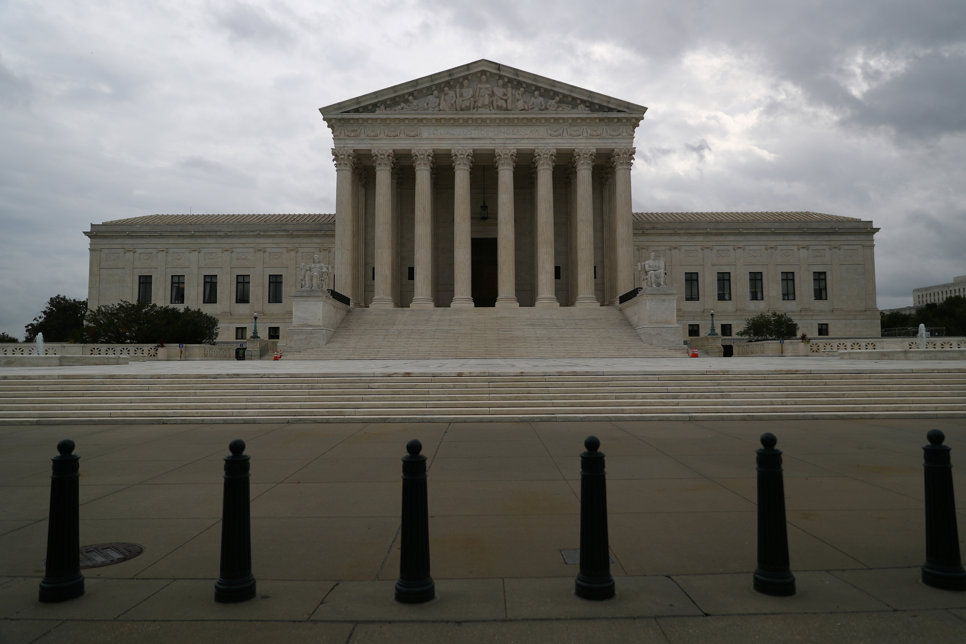 Storm clouds roll in over the U.S. Supreme Court in Washington, September 1, 2021. REUTERS/Tom Brenner