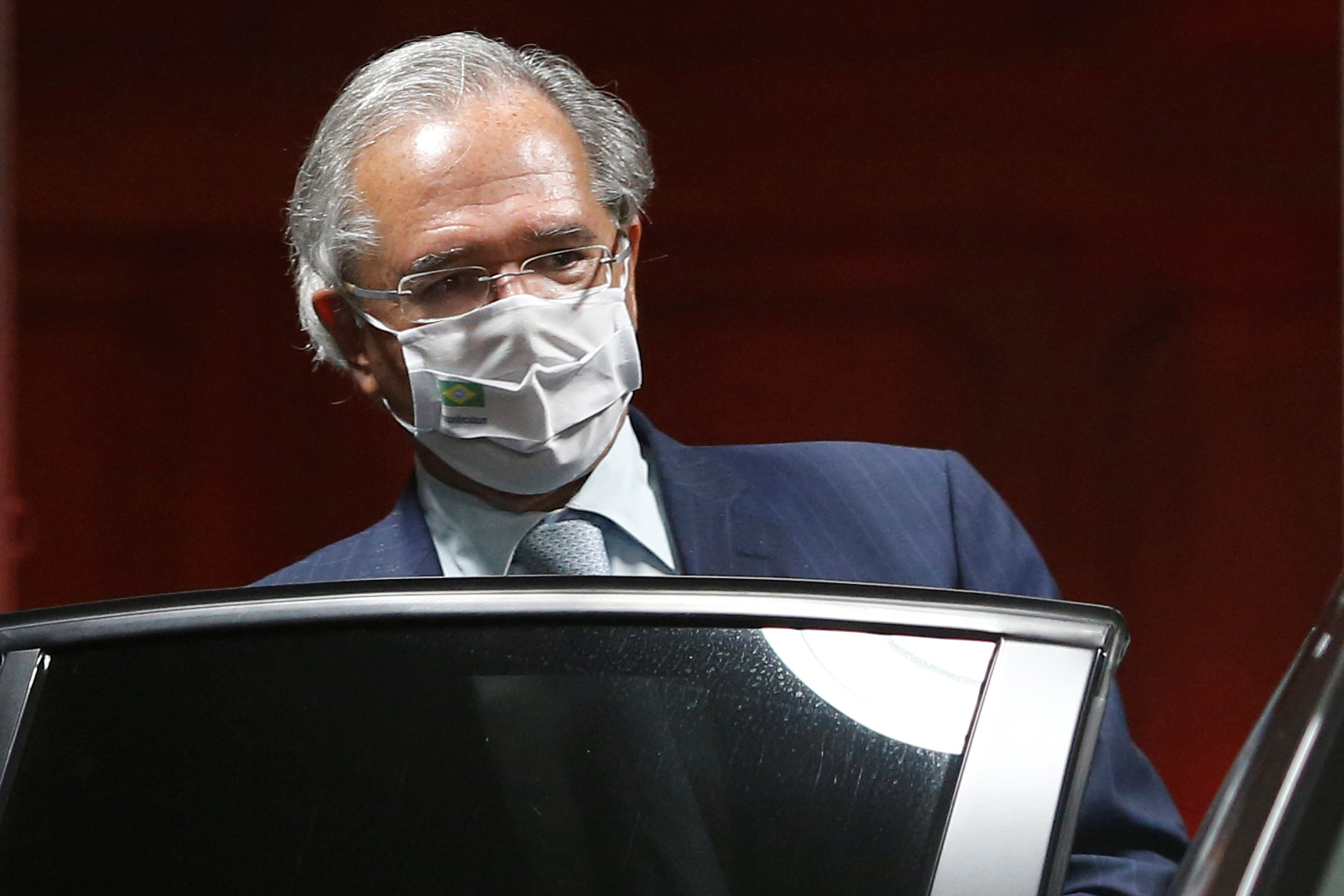 Brazil's Economy Minister Paulo Guedes leaves the Ministry of Economy building in Brasilia, Brazil October 5, 2021. REUTERS/Adriano Machado