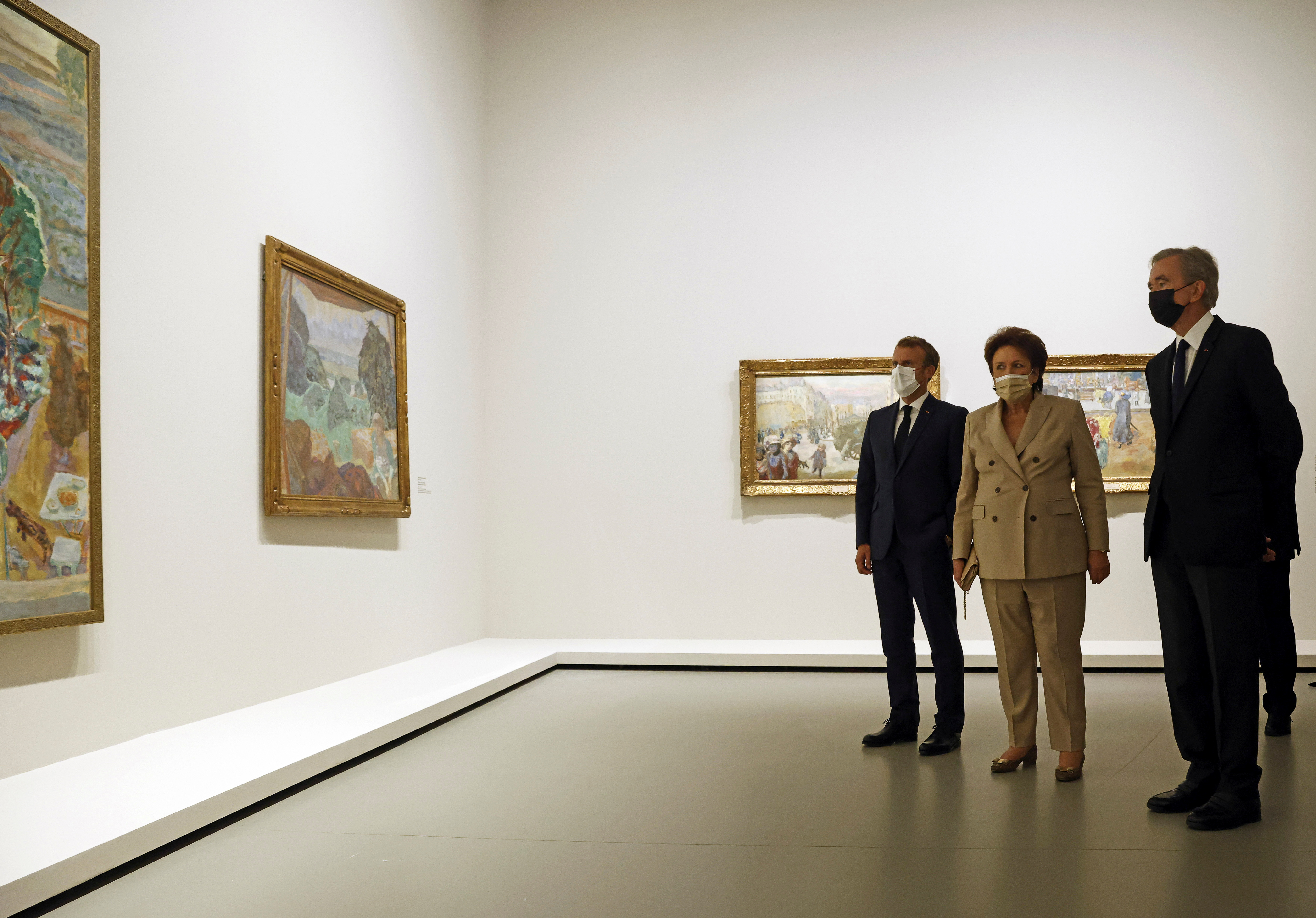 French President Emmanuel Macron, French culture minister Roselyne Bachelot and Head of LVMH luxury group visit the exhibition 'The Morozov Collection, Icons of Modern Art' at Foundation Louis Vuitton in Paris, France, September 21, 2021. Yoan Valat/Pool via REUTERS