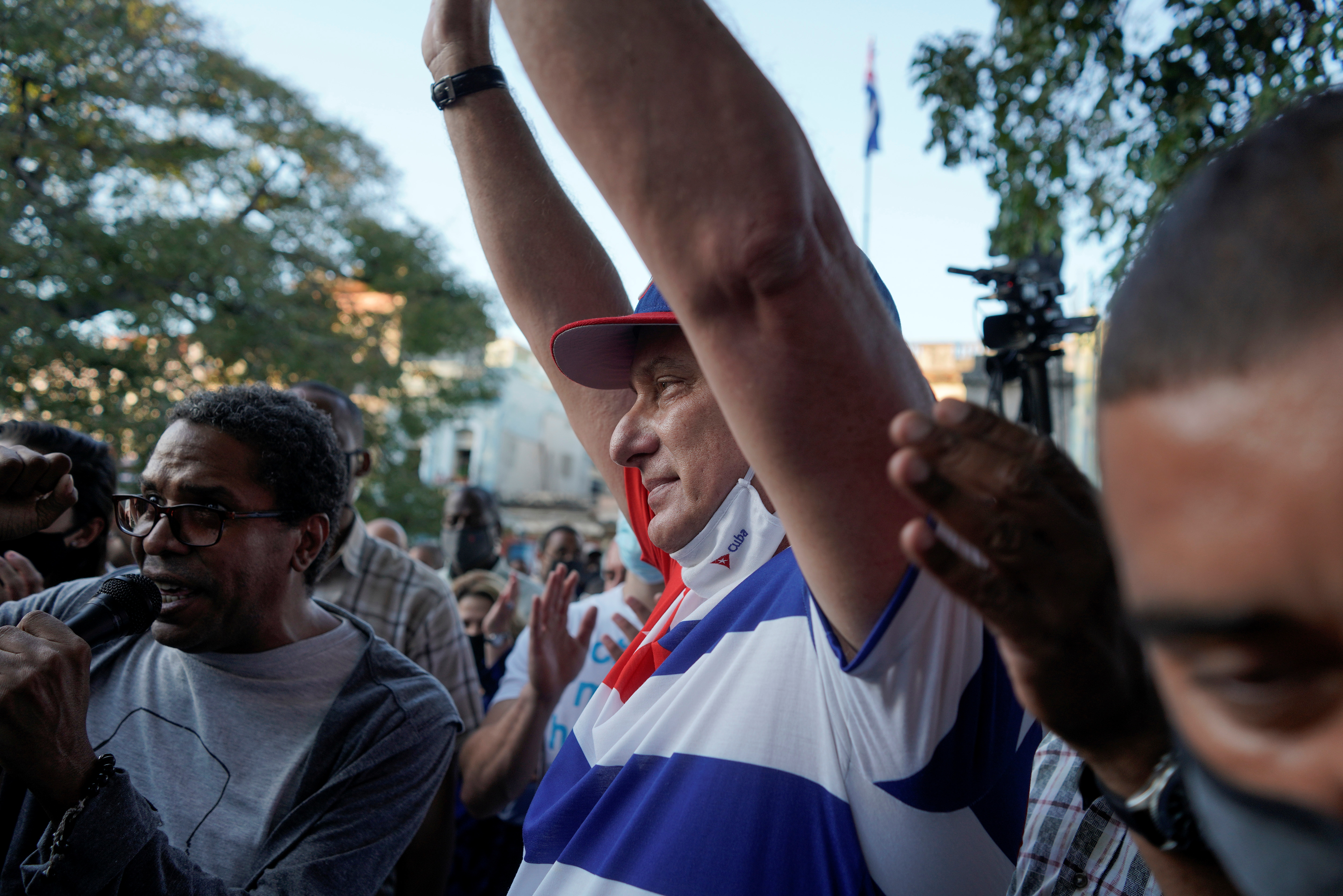 Cuba's President Miguel Diaz Canel takes part into a pro-government rally in Havana, Cuba, November 29, 2020. REUTERS/Alexandre Meneghini