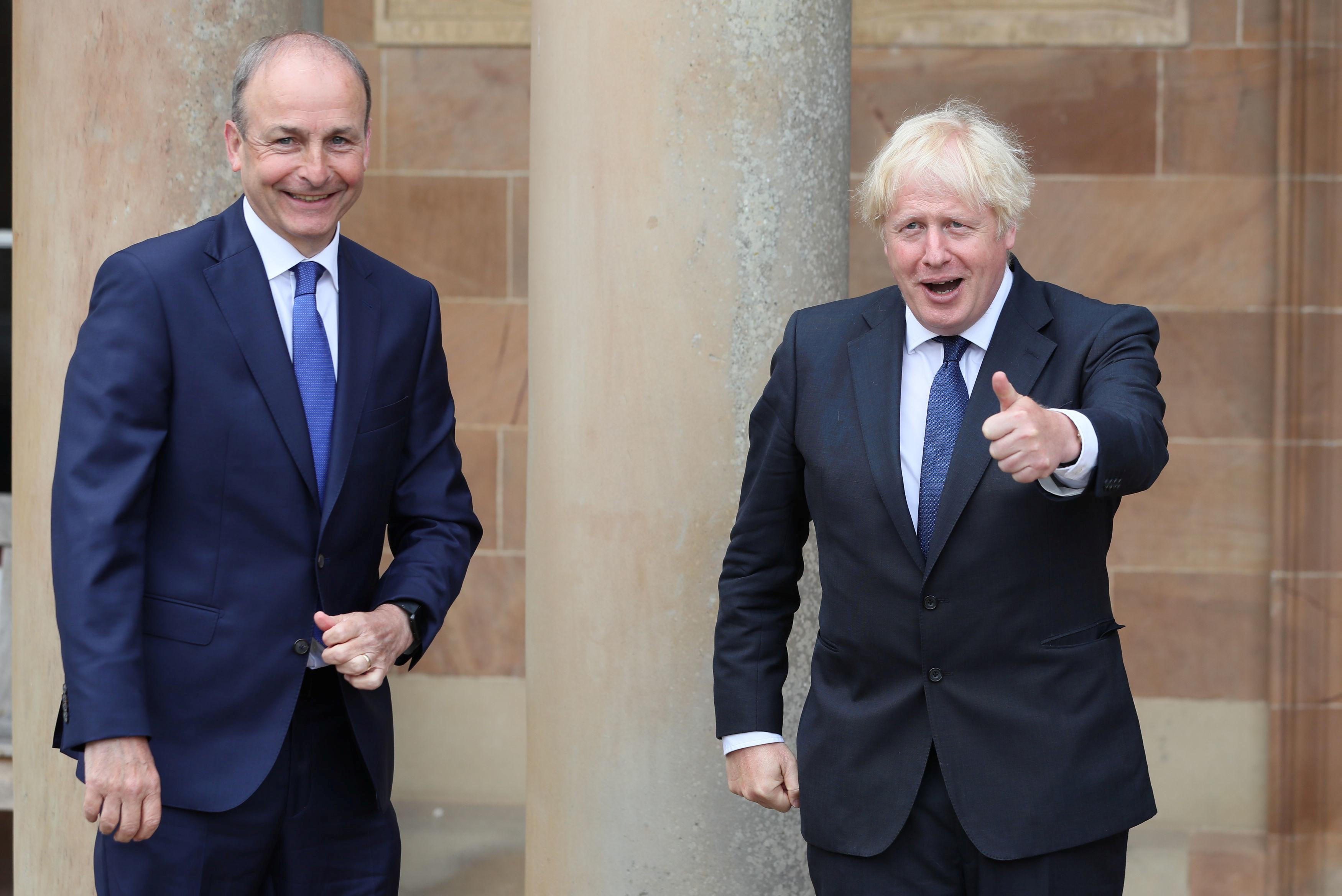 Britannian pääministeri Boris Johnson ja Irlannin pääministeri (Taoiseach) Micheal Martin nähdään Hillsborough'n linnassa Belfastissa Pohjois-Irlannissa 13. elokuuta 2020. Brian Lawless / Pool Reutersin kautta