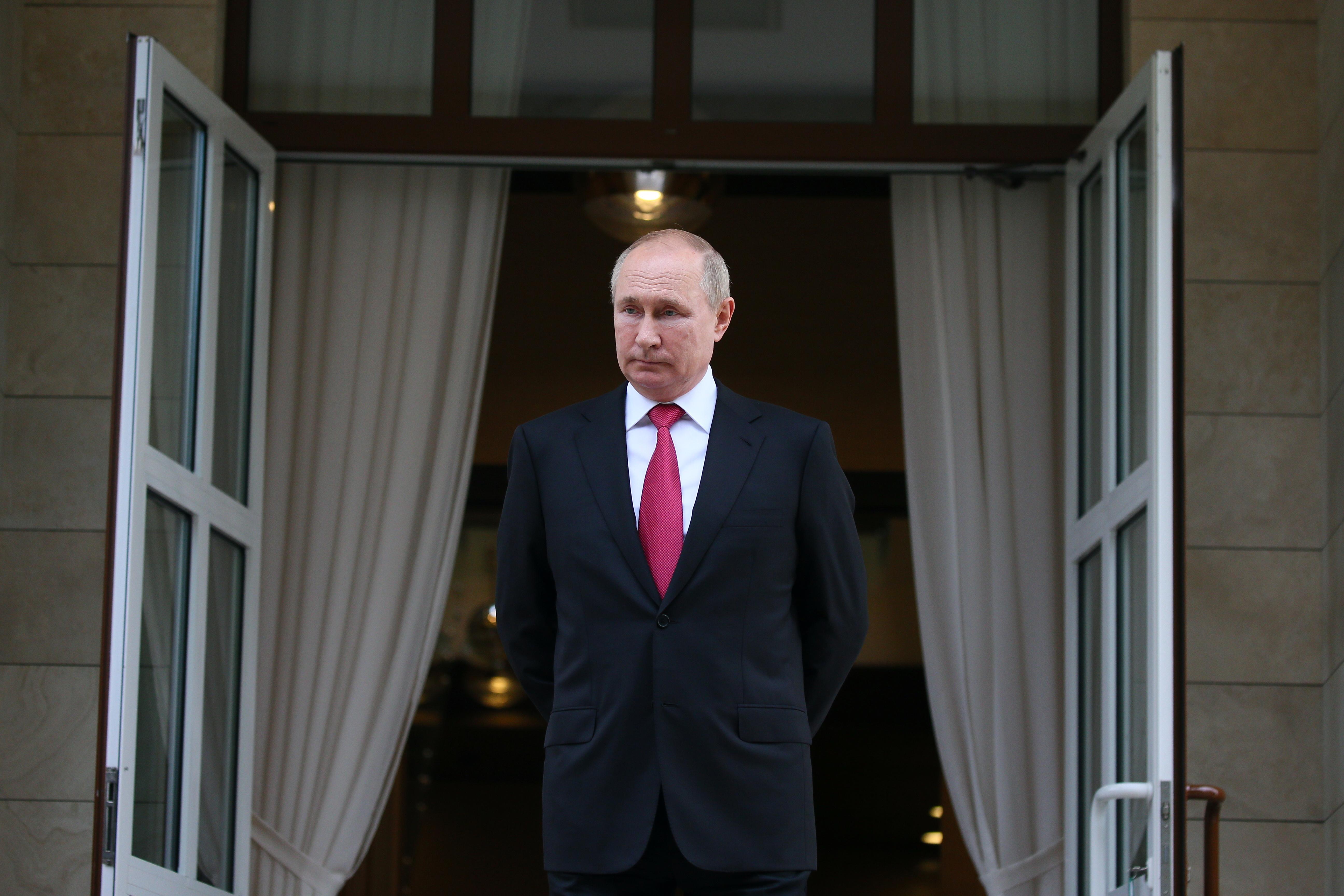 Russian President Vladimir Putin is seen at the Bocharov Ruchei state residence after a meeting with Turkish President Tayyip Erdogan in Sochi, Russia September 29, 2021. Sputnik/Vladimir Smirnov/Pool via REUTERS