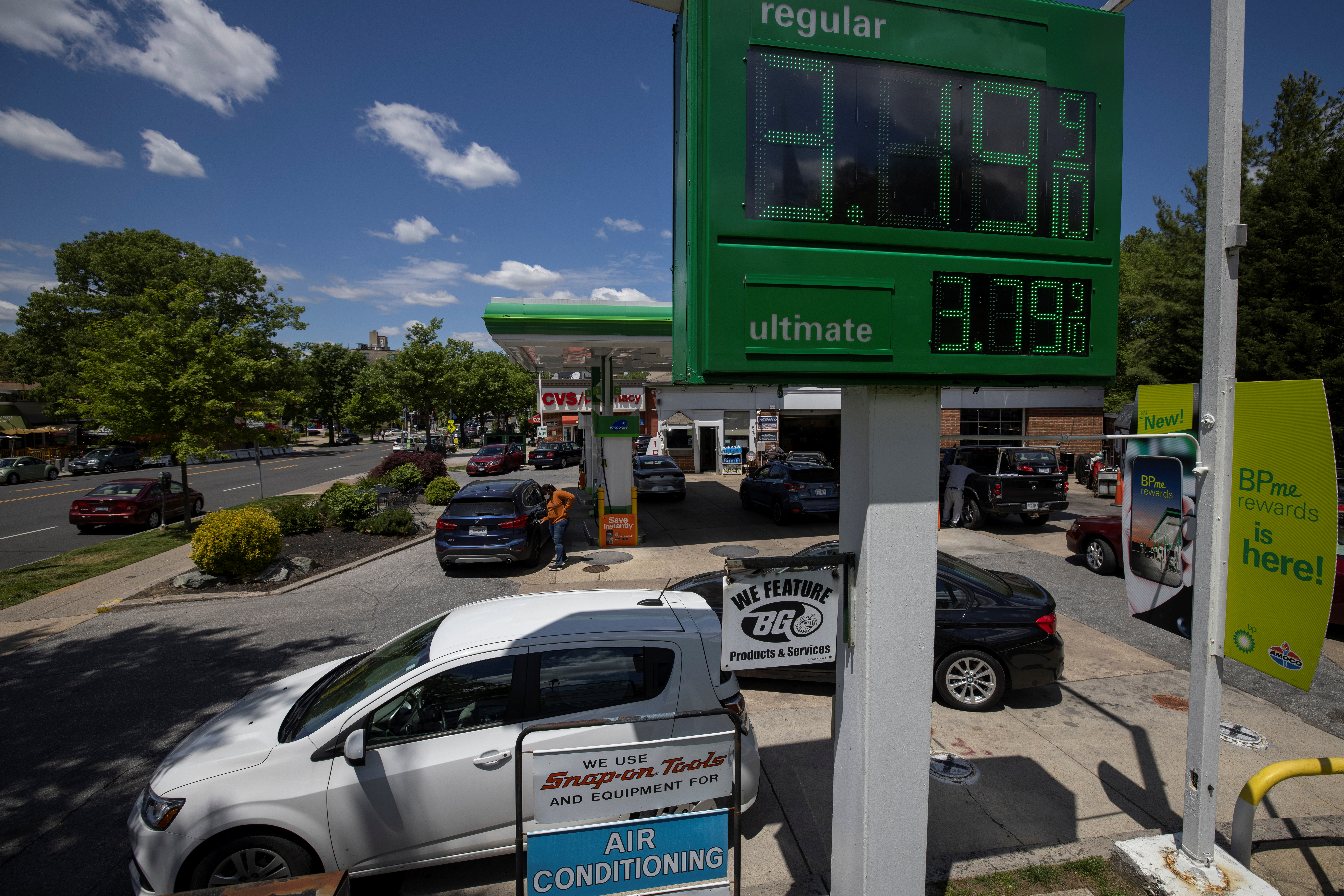 Gas prices are seen are at a BP gas station after a cyberattack crippled the biggest fuel pipeline in the country, run by Colonial Pipeline, in Washington, U.S., May 12, 2021.  REUTERS/Carlos Barria