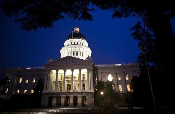 The exterior shot of the State Capitol in Sacramento, California.  REUTERS/Max Whittaker (UNITED STATES)