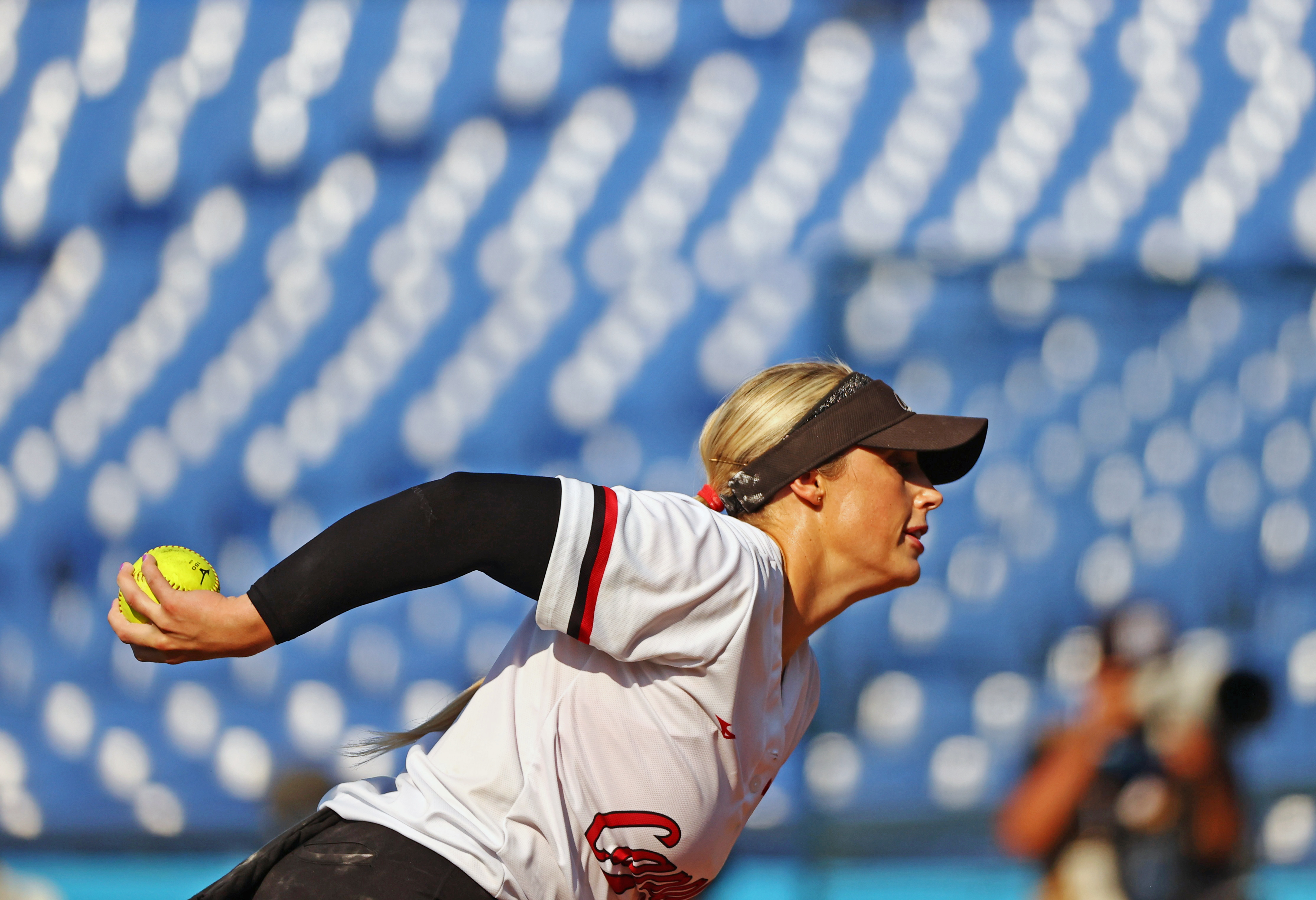 Tokyo 2020 Olympics - Softball - Women - Opening Round - Canada v Japan - Yokohama Baseball Stadium - Yokohama, Japan - July 25, 2021. Danielle Lawrie of Canada in action. REUTERS/Jorge Silva
