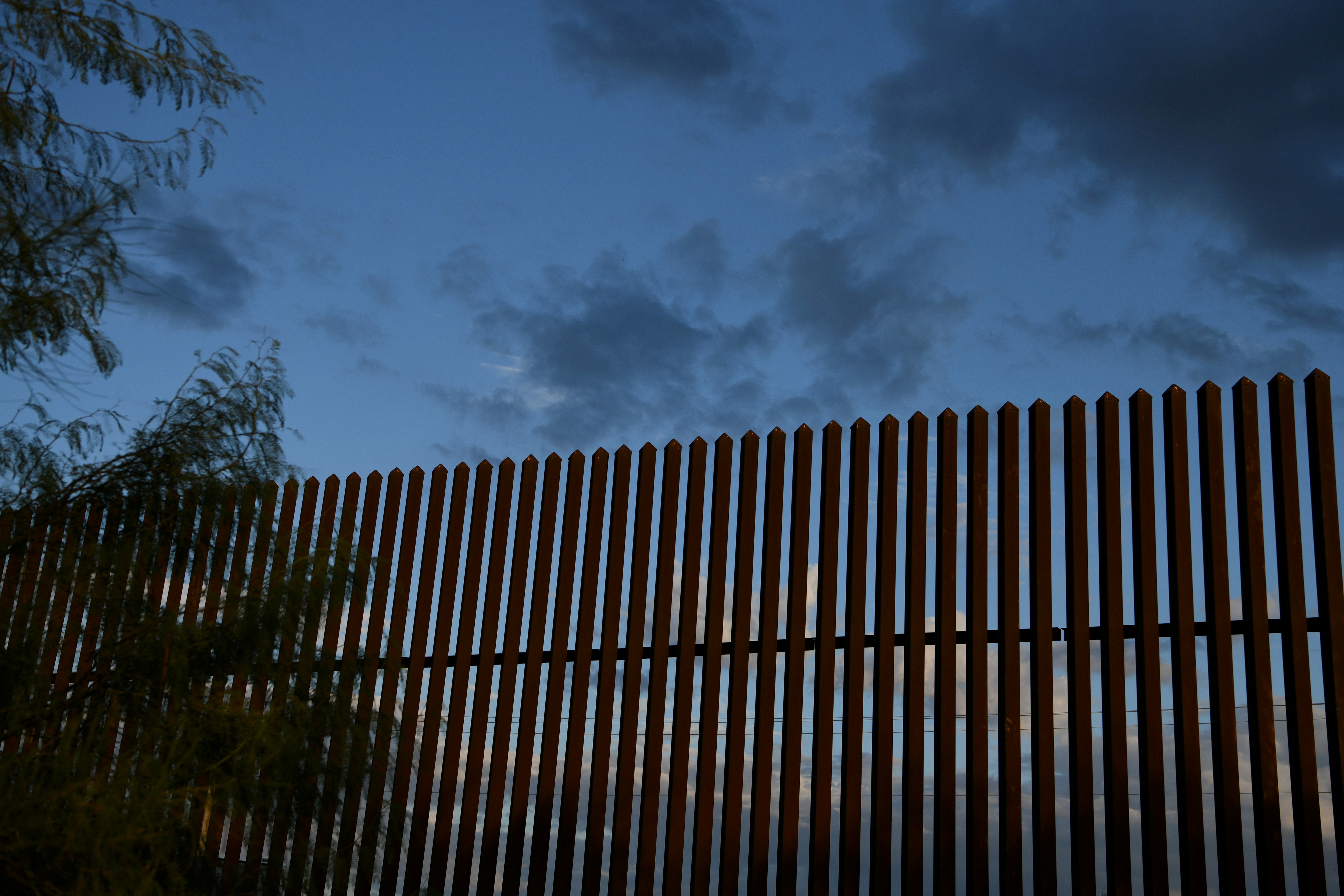 A section of border fence is pictured by the U.S.-Mexico border in the Rio Grande Valley near Hidalgo, Texas, U.S., October 7, 2019. REUTERS/Loren Elliott/File Photo
