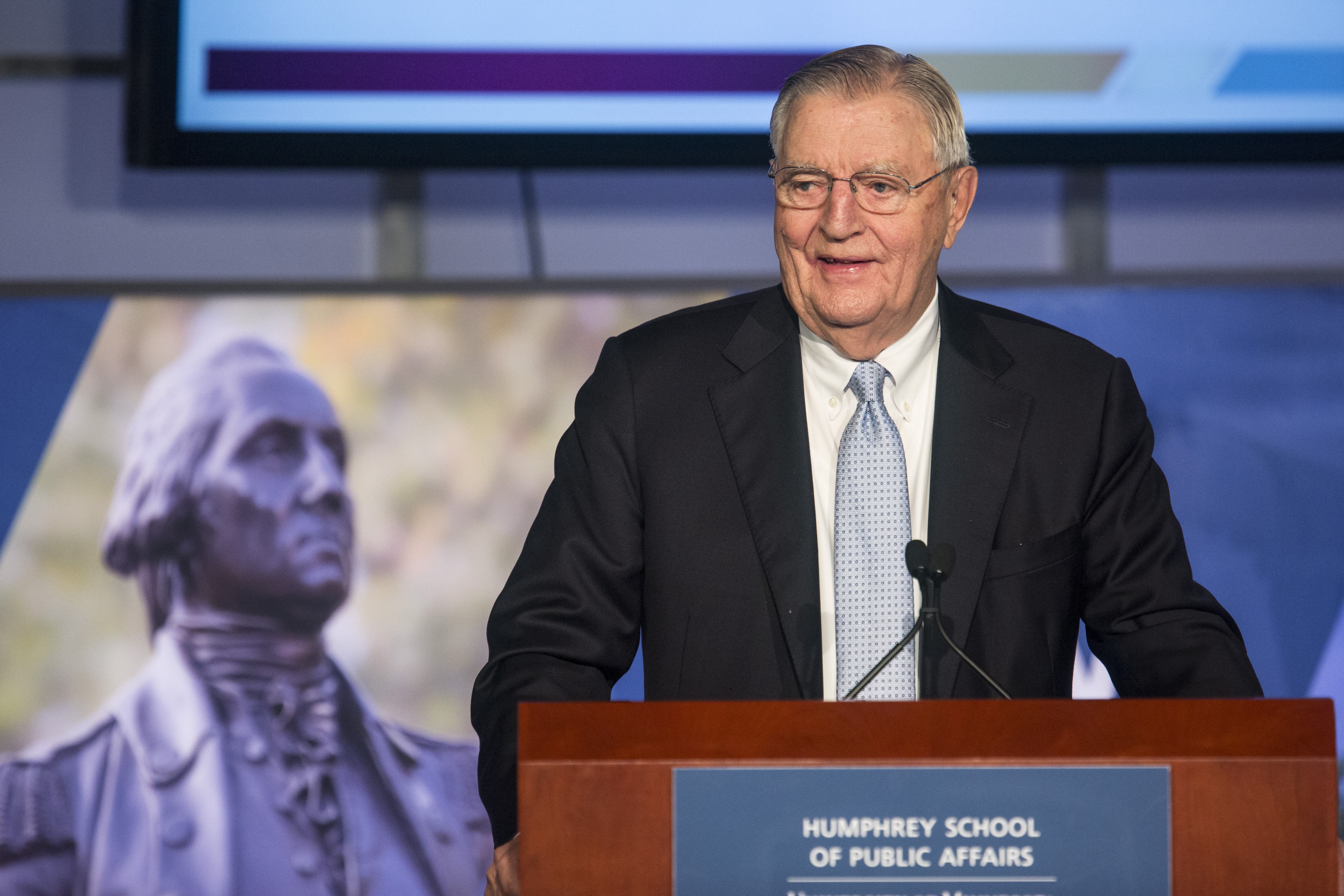 Former Vice President Walter Mondale speaks at an event held in his honor at The George Washington University in Washington October 20, 2015.      REUTERS/Joshua Roberts