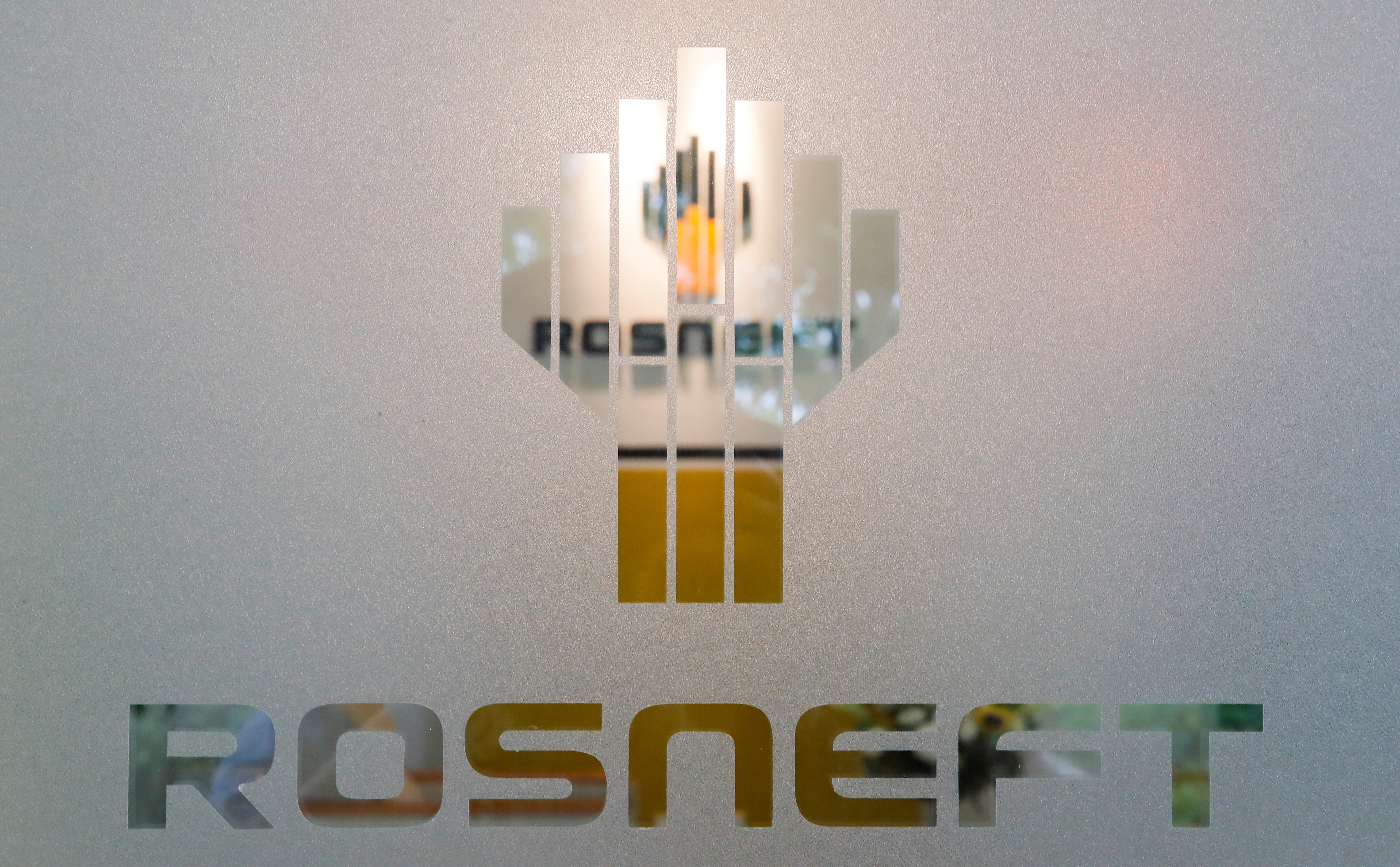 The logo of Russia's oil company Rosneft is pictured at the Rosneft Vietnam office in Ho Chi Minh City, Vietnam April 26, 2018. REUTERS/Maxim Shemetov/File Photo