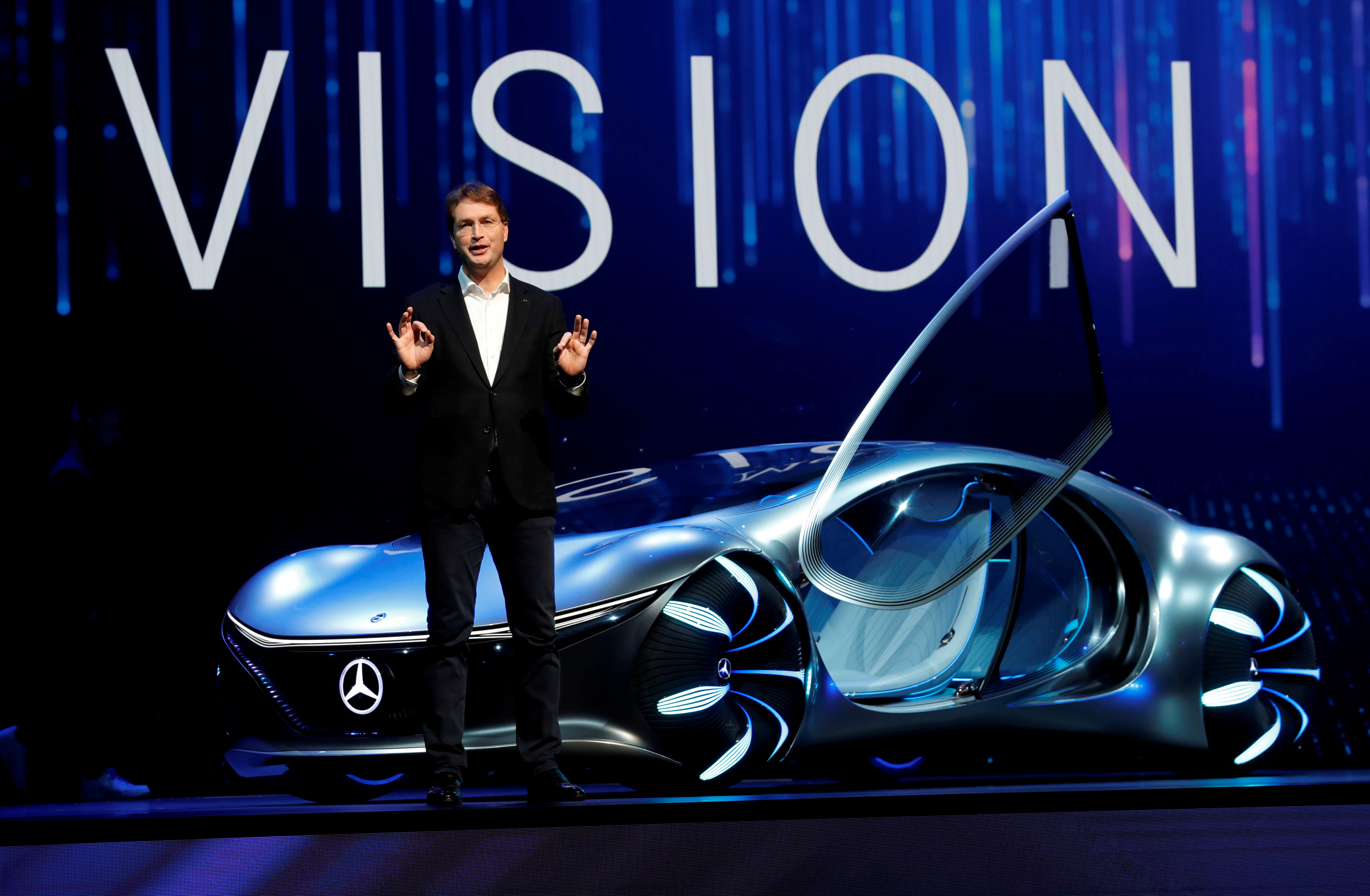 Ola Kallenius, chairman of the board of Daimler AG and Mercedes-Benz AG, unveils the Mercedes-Benz Vision AVTR concept car, inspired by the Avatar movies, at a Daimler keynote address during the 2020 CES in Las Vegas, Nevada, U.S. January 6, 2020. REUTERS/Steve Marcus/File Photo