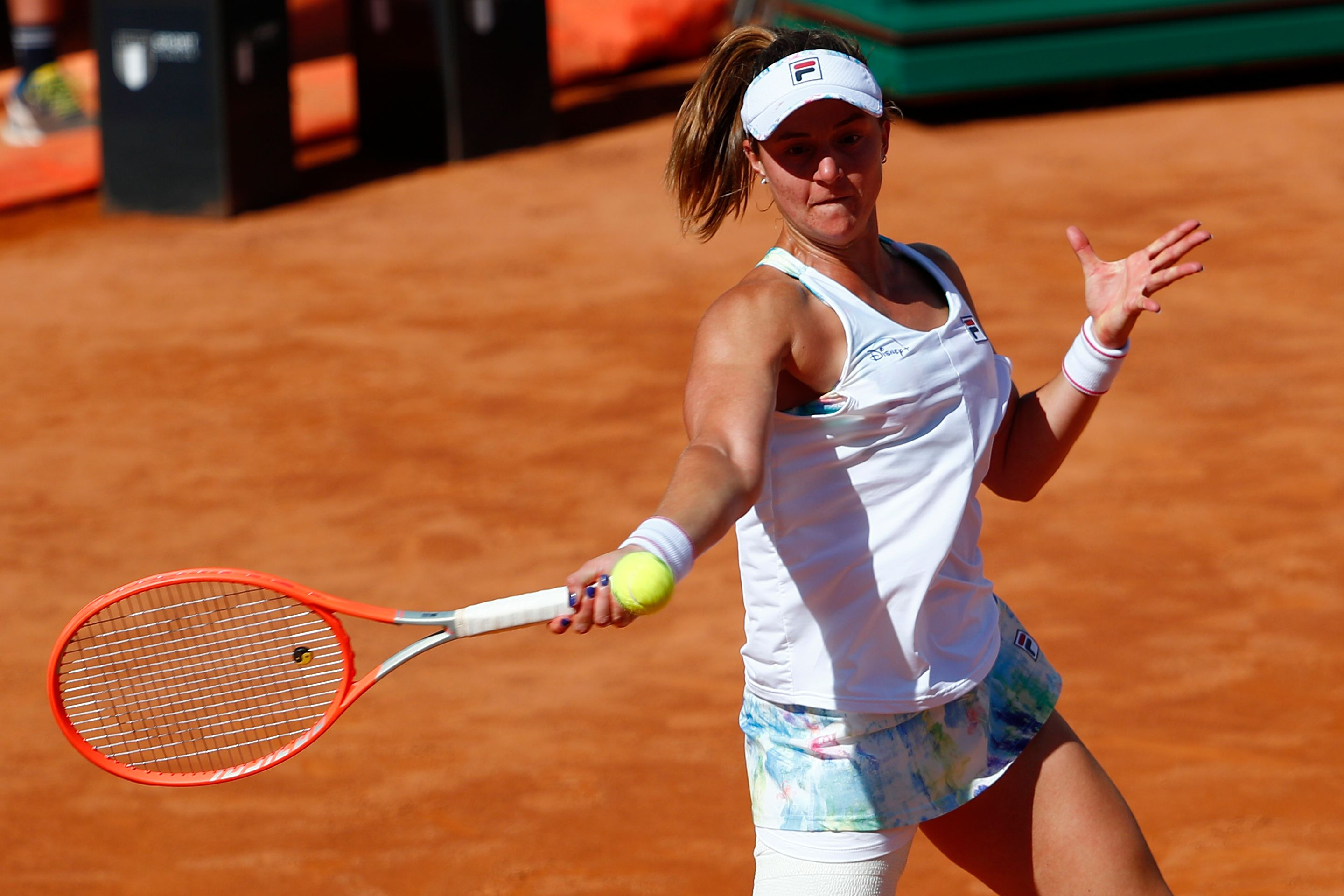 Tennis - WTA Premier 5 - Italian Open - Foro Italico, Rome, Italy - May 12, 2021 Argentina's Nadia Podoroska in action during her second round match against Serena Williams of the U.S. REUTERS/Guglielmo Mangiapane