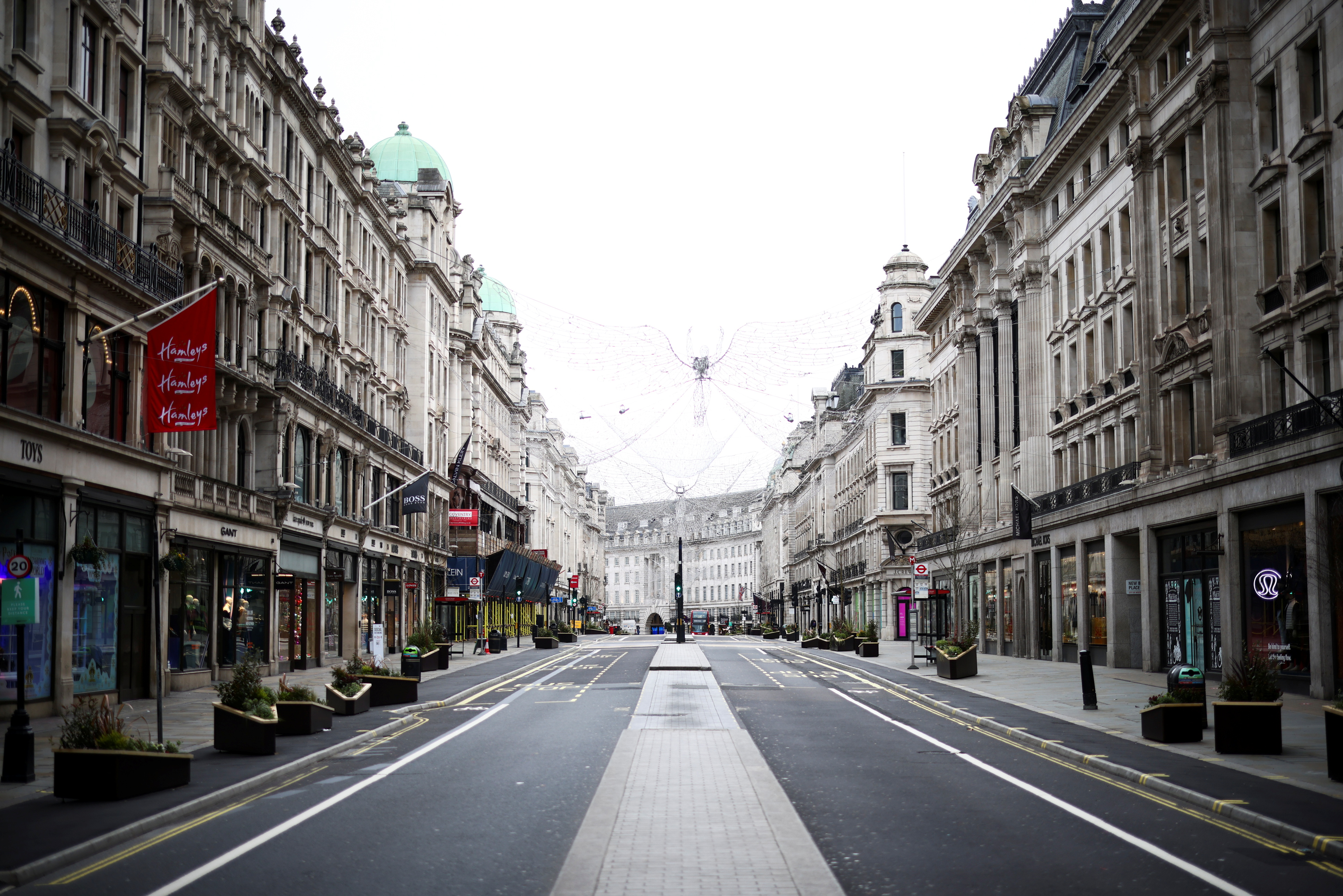 A view of a quiet Regent Street as shops remain closed under Tier 4 restrictions, amid the coronavirus disease (COVID-19) outbreak, in London, Britain, December 26, 2020. REUTERS/Henry Nicholls