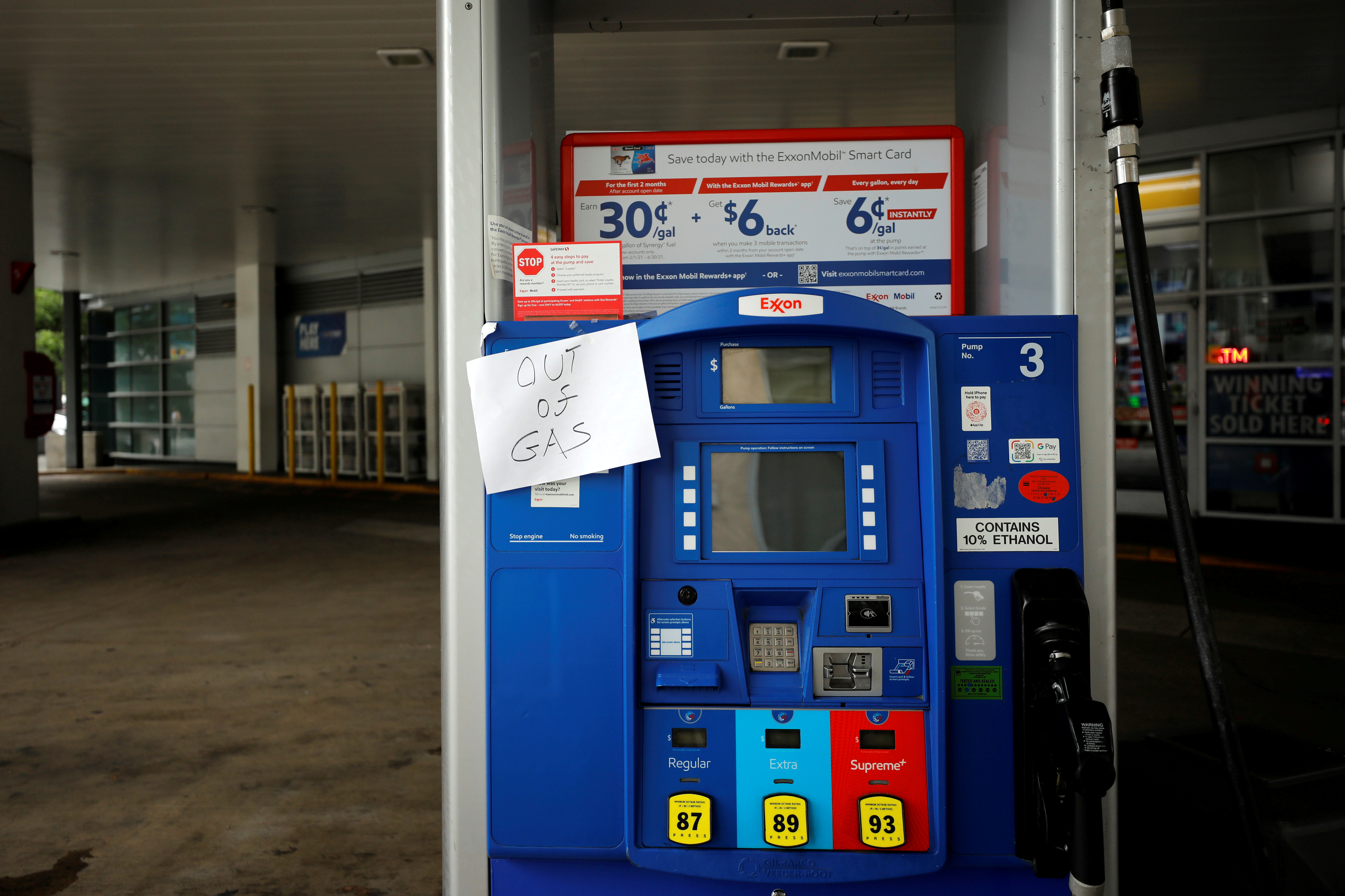 An Exxon station is seen out of gas after a cyberattack crippled the biggest fuel pipeline in the country, run by Colonial Pipeline, in Washington, U.S., May 15, 2021. REUTERS/Yuri Gripas/File Photo