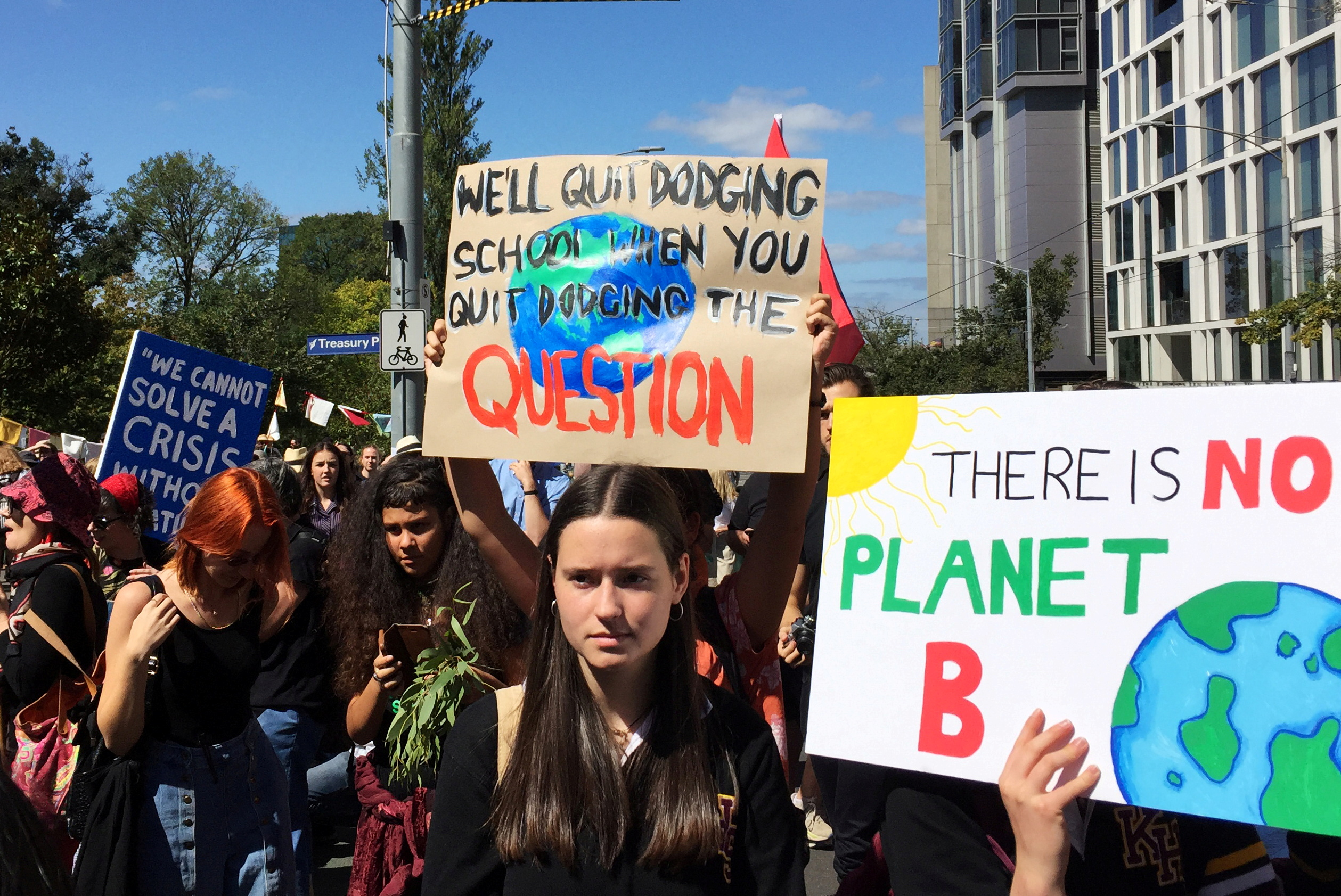 Protesters demanding action on climate change gather in Melbourne, Australia March 15, 2019.  REUTERS/Sonali Paul/File Photo