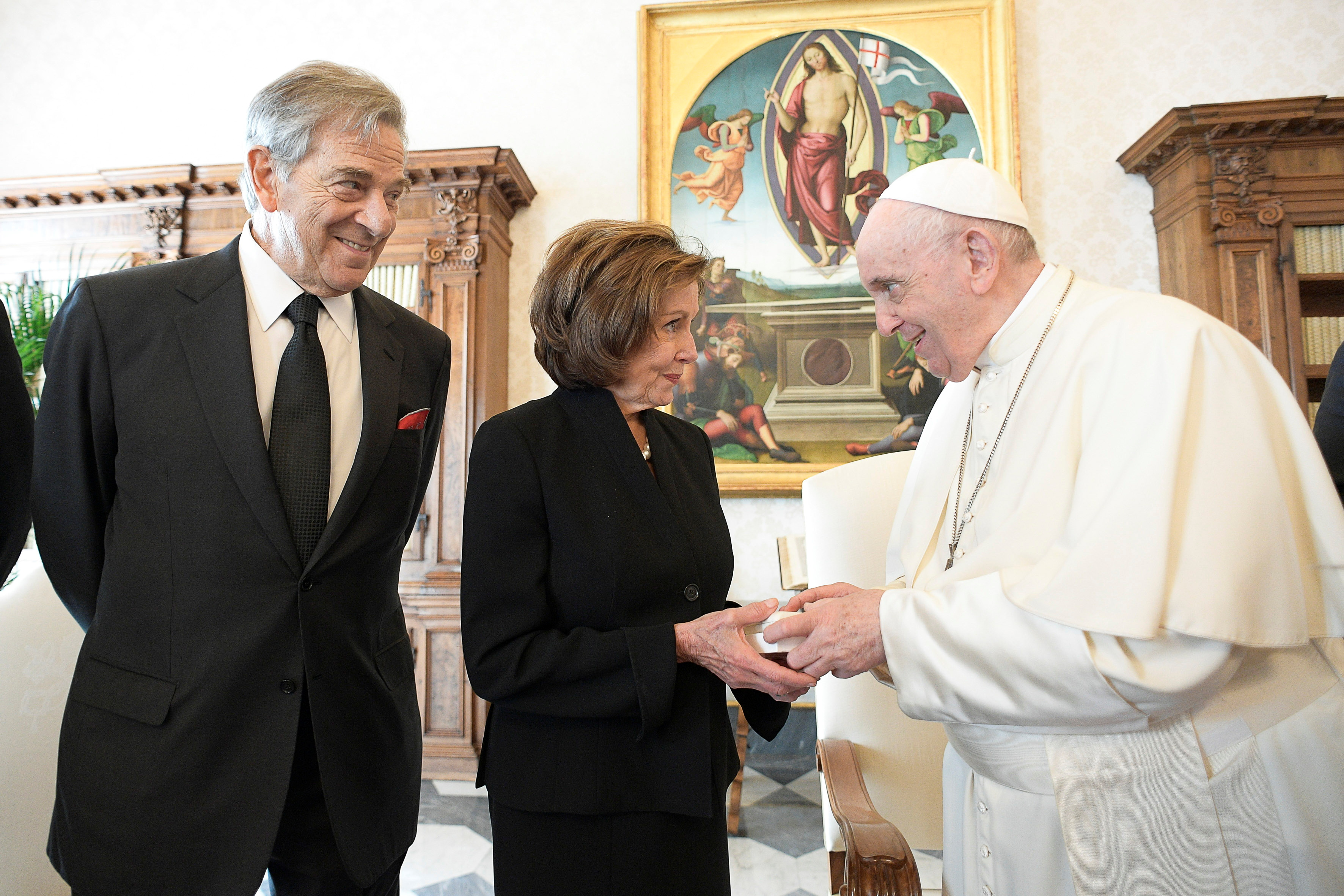 U.S. Speaker of the House Nancy Pelosi and her husband Paul Pelosi meet with Pope Francis at the Vatican, October 9, 2021.  Vatican Media/Handout via REUTERS