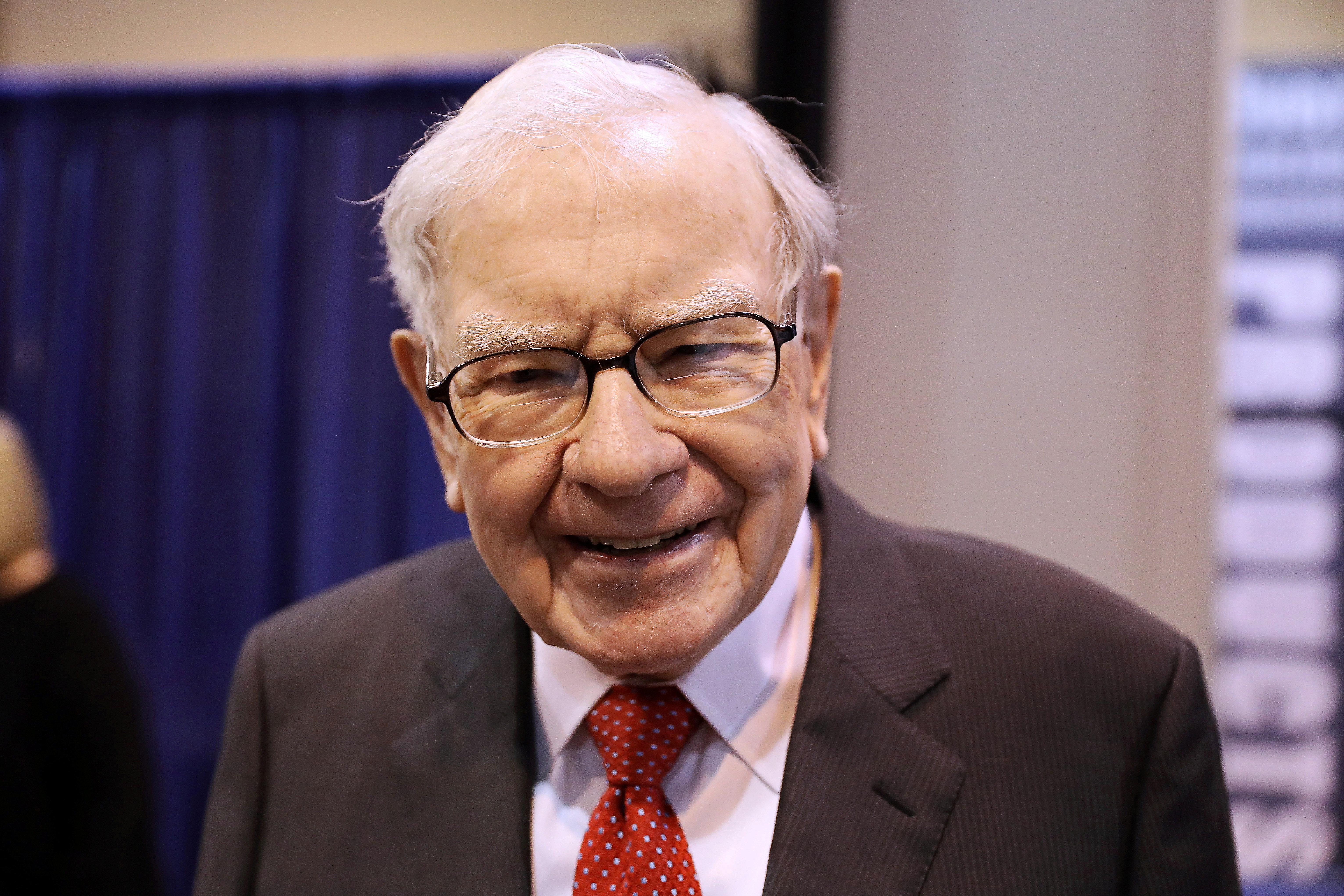 Factbox Warren Buffett Berkshire Hathaway At A Glance Reuters