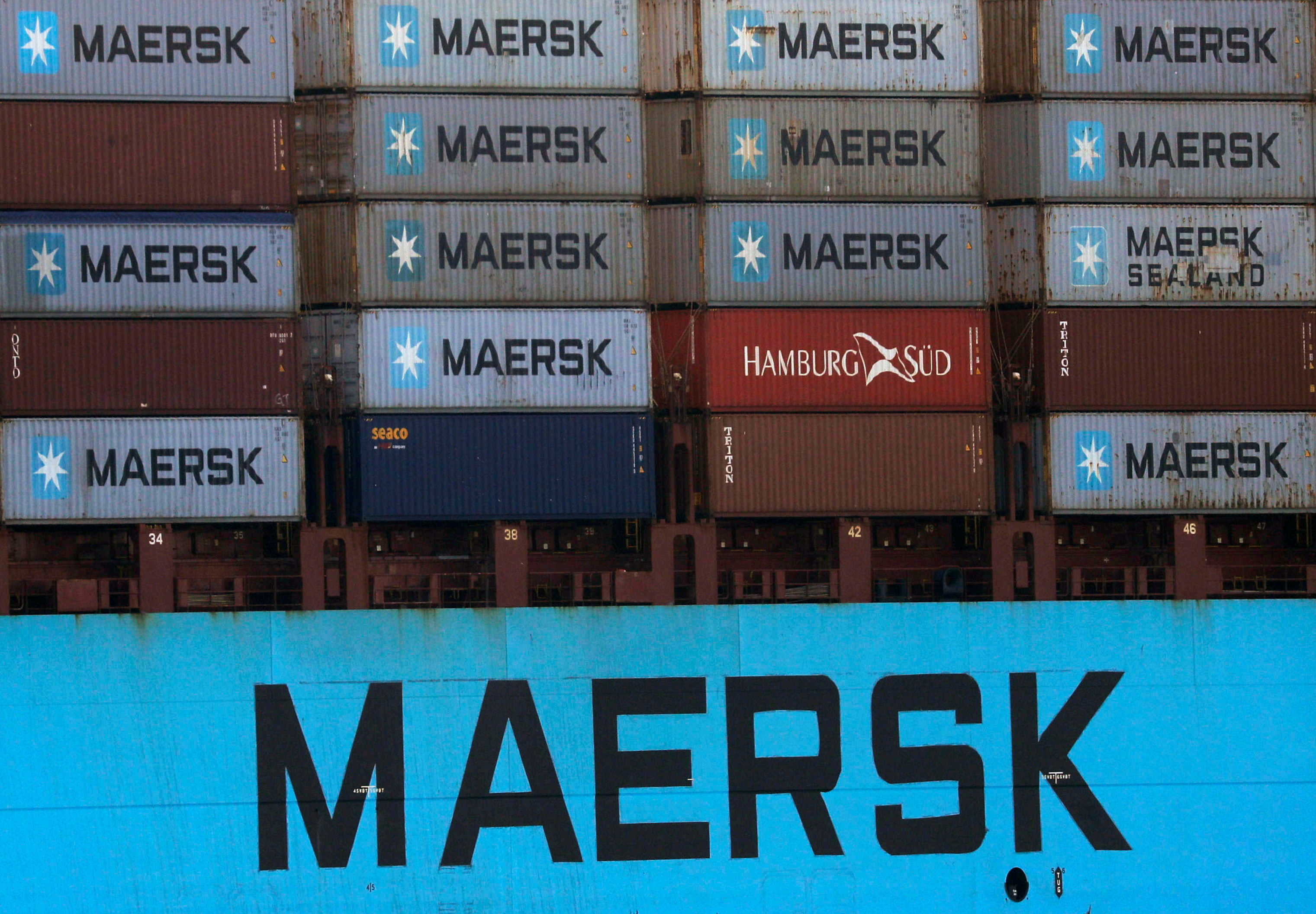 Shipping containers are transpoted on a Maersk Line vessel through the Suez Canal in Ismailia, Egypt July 7, 2021.  REUTERS/Amr Abdallah Dalsh
