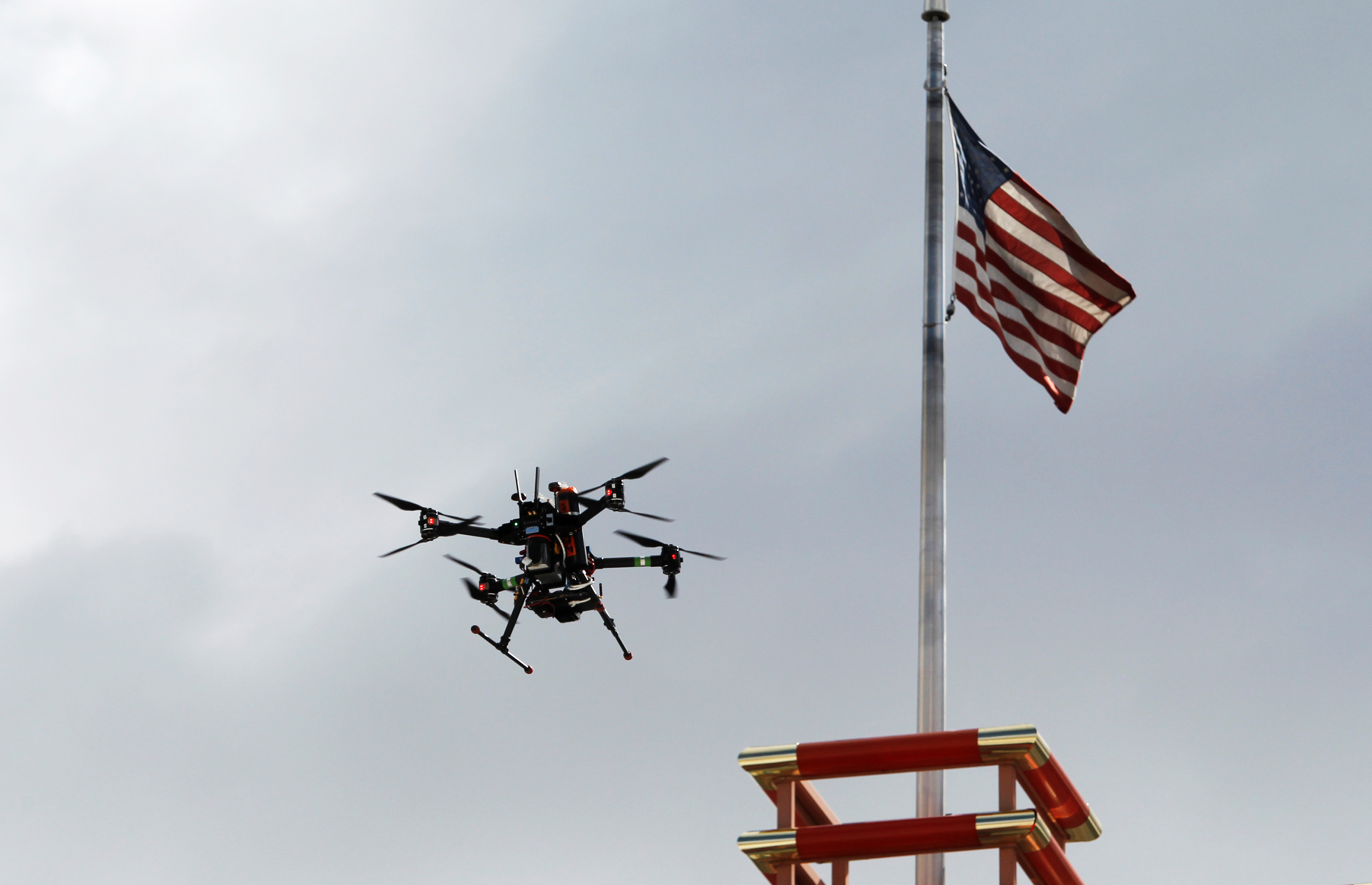 A drone flies over downtown during a NASA demonstration on the testing of its Unmanned Aircraft Systems Traffic Management (UTM) platform in Reno, Nevada, U.S., May 21, 2019.  REUTERS/Bob Strong