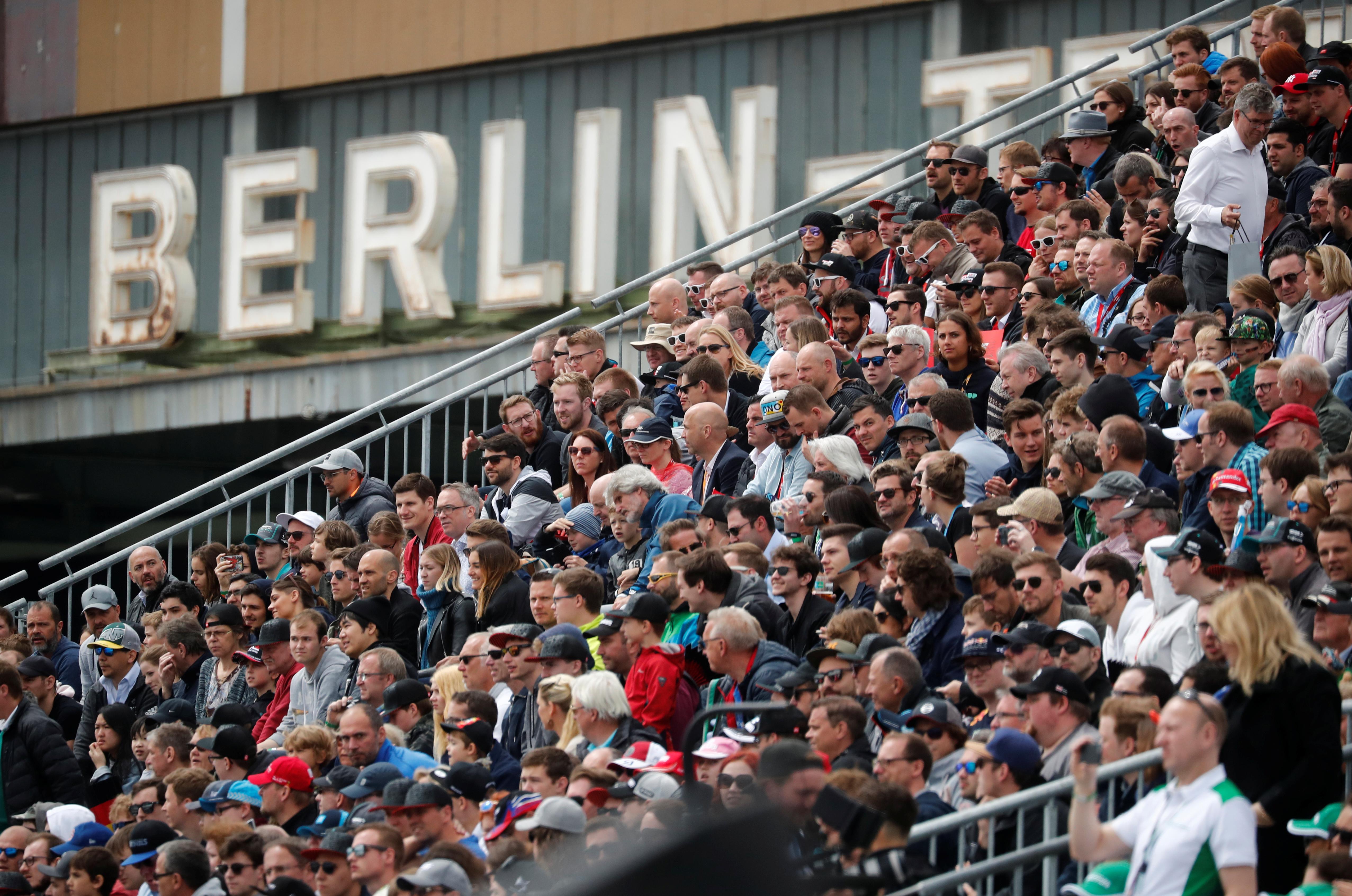 Motorsport - Formula E - Berlin ePrix - Berlin-Tempelhof, Berlin, Germany - May 25, 2019   General view of spectators in a stand   REUTERS/Hannibal Hanschke