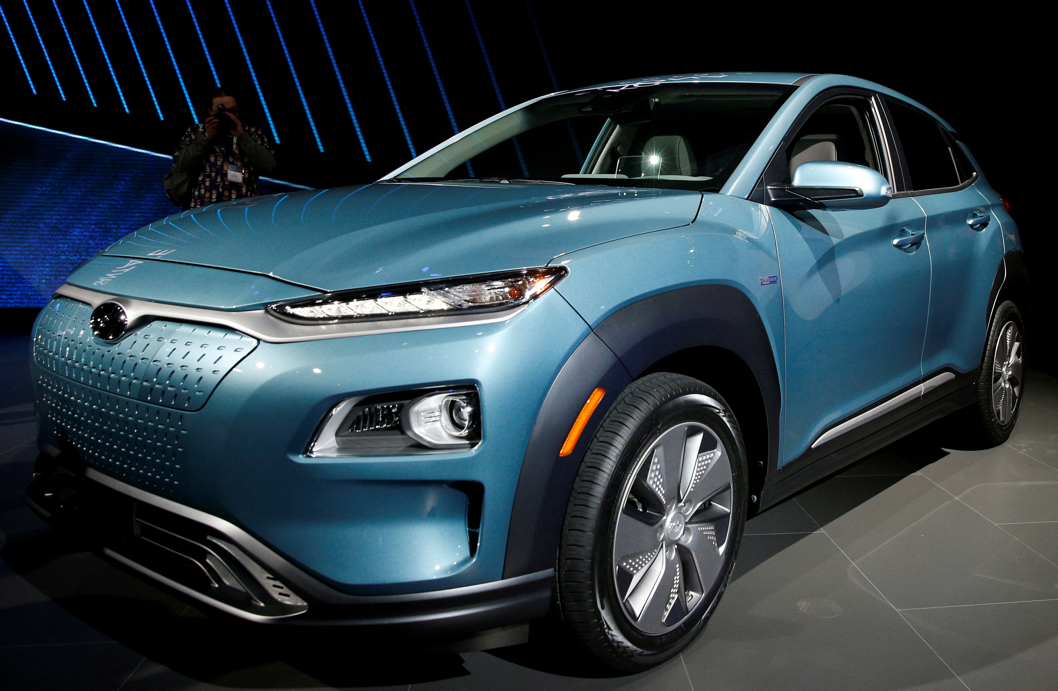 The 2019 Hyundai Kona Electric vehicle is displayed at the New York Auto Show in the Manhattan borough of New York City, New York, U.S., March 28, 2018. REUTERS/Brendan McDermid
