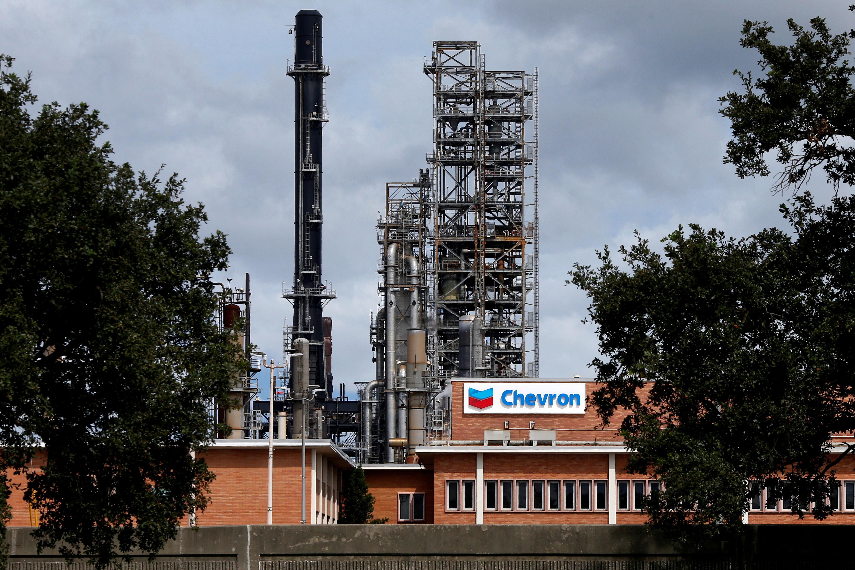 The Chevron Pascagoula Refinery in Pascagoula, Mississippi, U.S., September 4, 2018.   REUTERS/Jonathan Bachman/File Photo