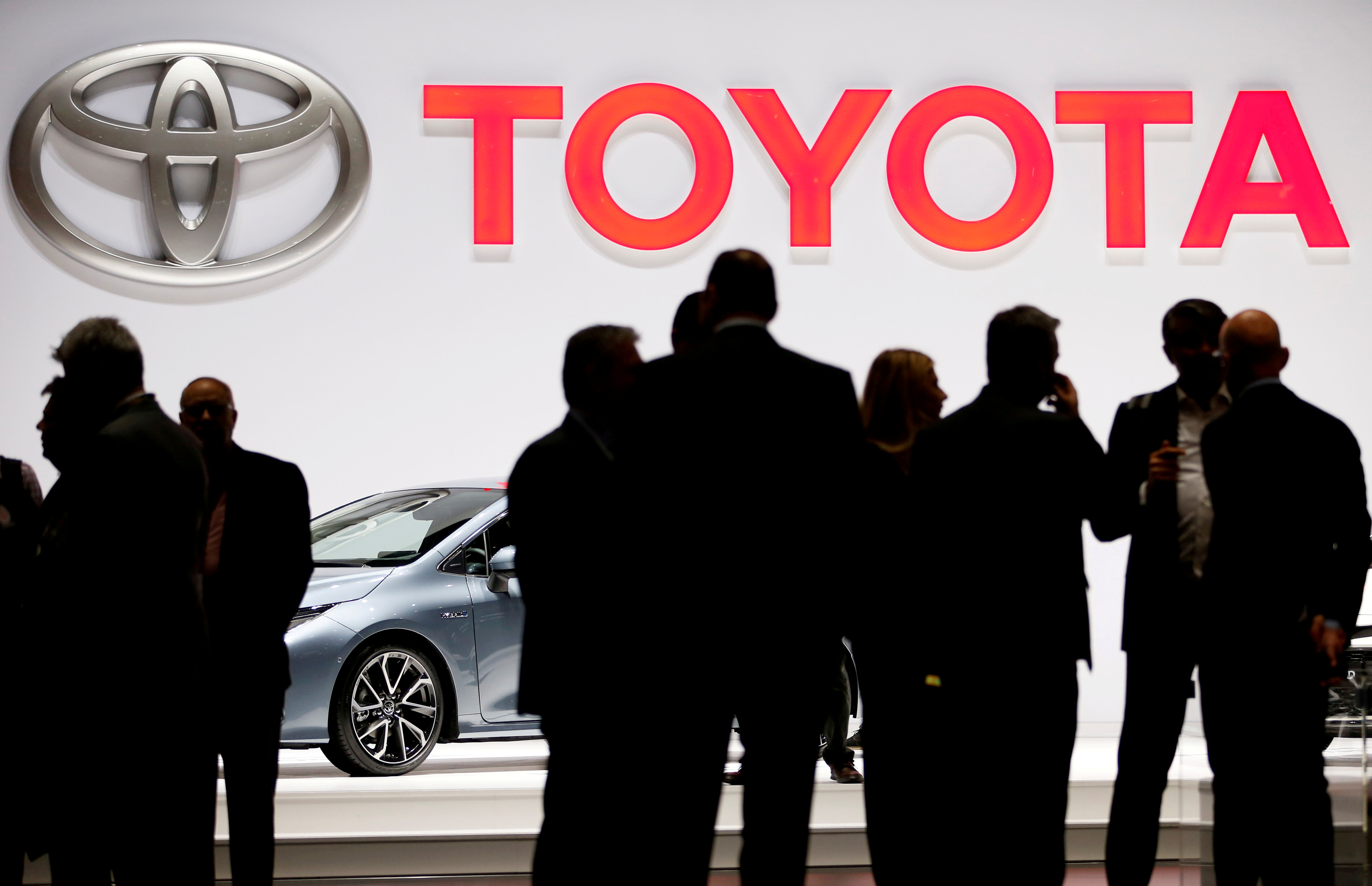 A Toyota logo is displayed at the 89th Geneva International Motor Show in Geneva, Switzerland March 5, 2019. REUTERS/Pierre Albouy/File Photo