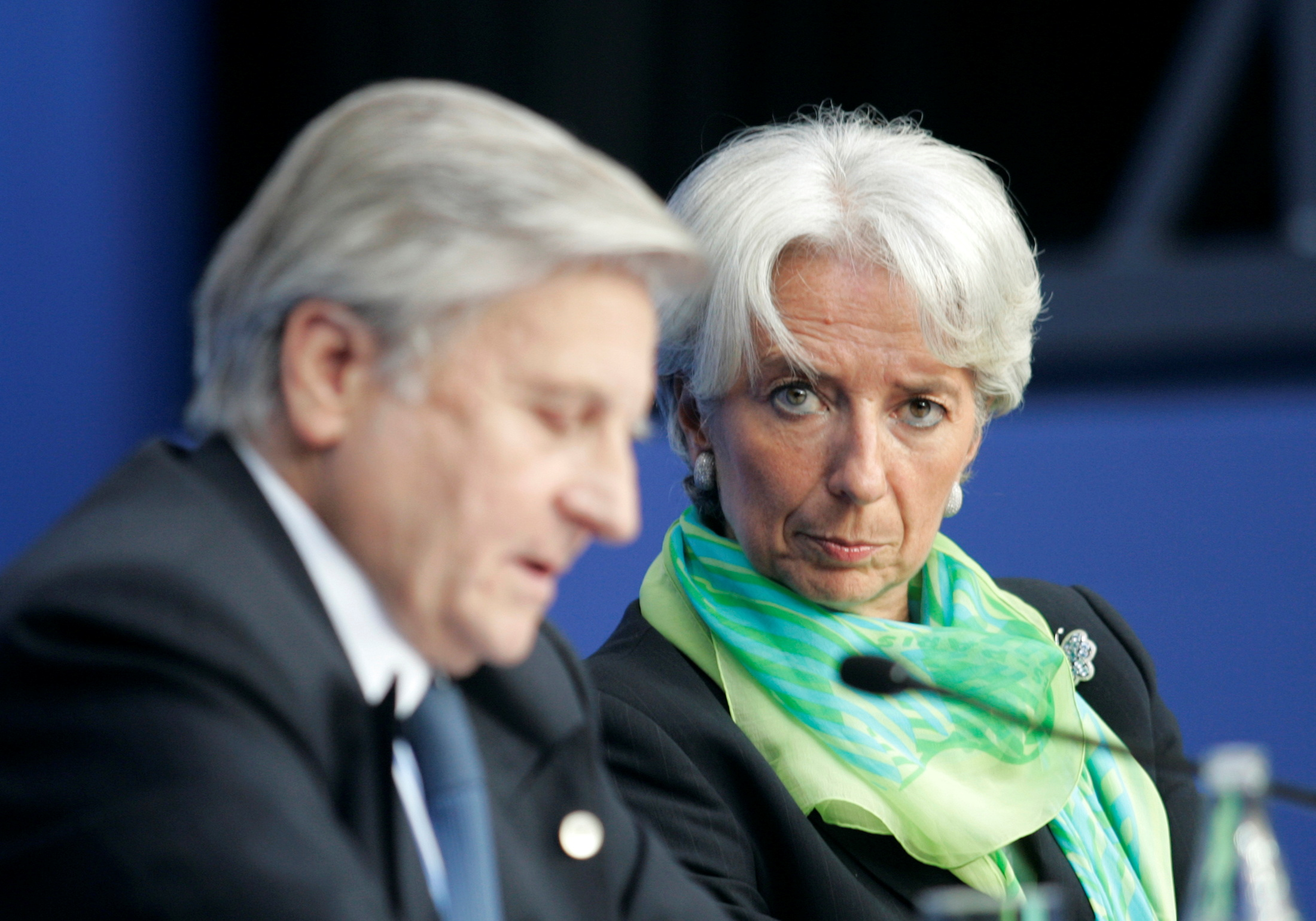 France's Finance Minister Christine Lagarde (R) and European Central Bank President Jean-Claude Trichet attend a news conference after a Euro zone finance ministers and central bankers Eurofi conference in Nice, southern France, September 13, 2008. REUTERS/Pascal Deschamps