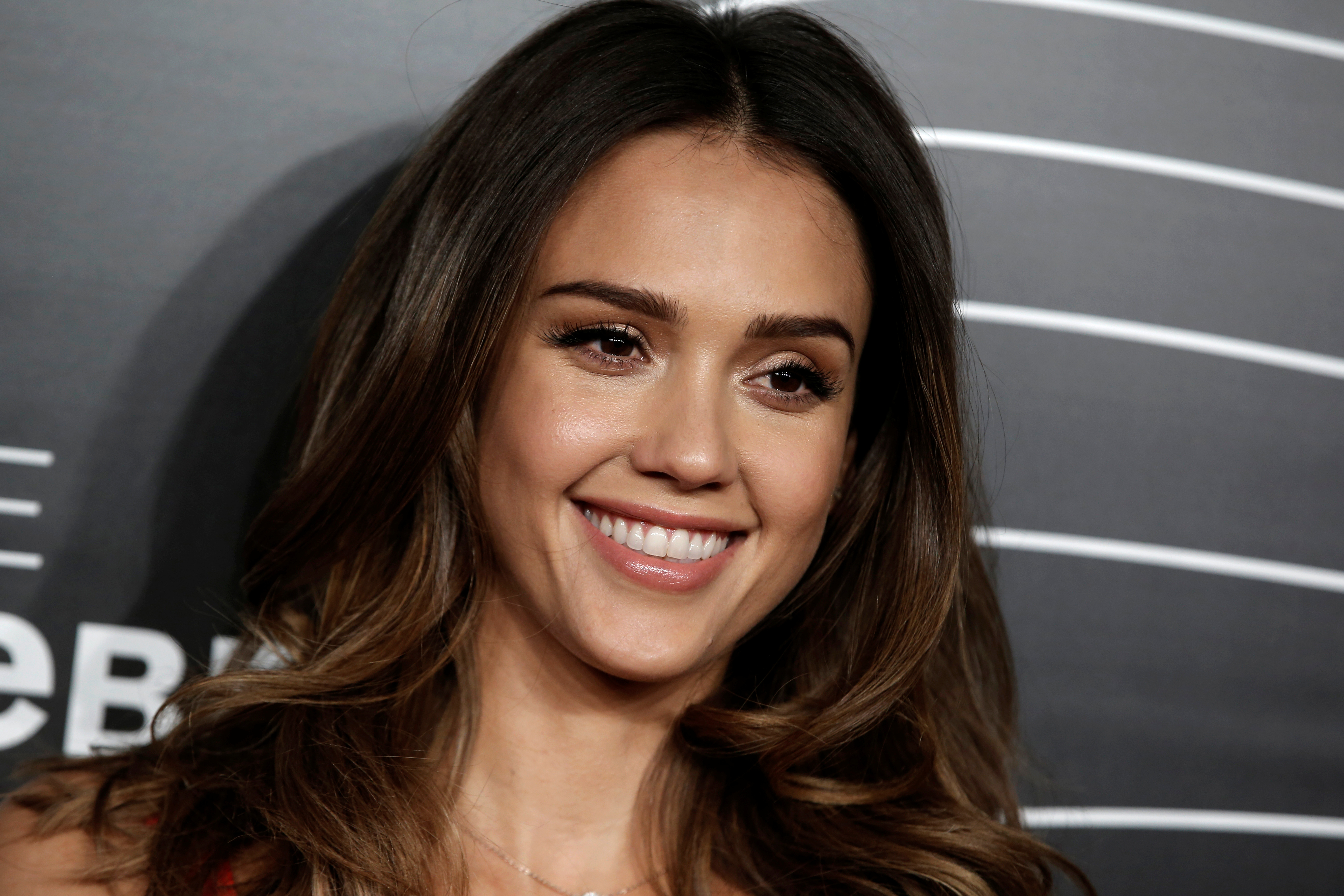 Actress and founder of the Honest Company Jessica Alba poses as she arrives for the 20th Annual Webby Awards in Manhattan, New York, U.S., May 16, 2016. REUTERS/Mike Segar