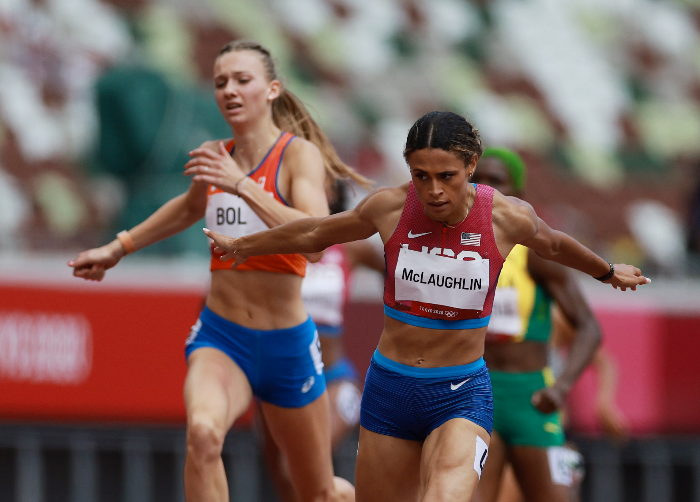 Tokyo 2020 Olympics - Athletics - Women's 400m Hurdles - Final - Olympic Stadium, Tokyo, Japan - August 4, 2021. Sydney McLaughlin of the United States crosses the line to win gold REUTERS/Kai Pfaffenbach