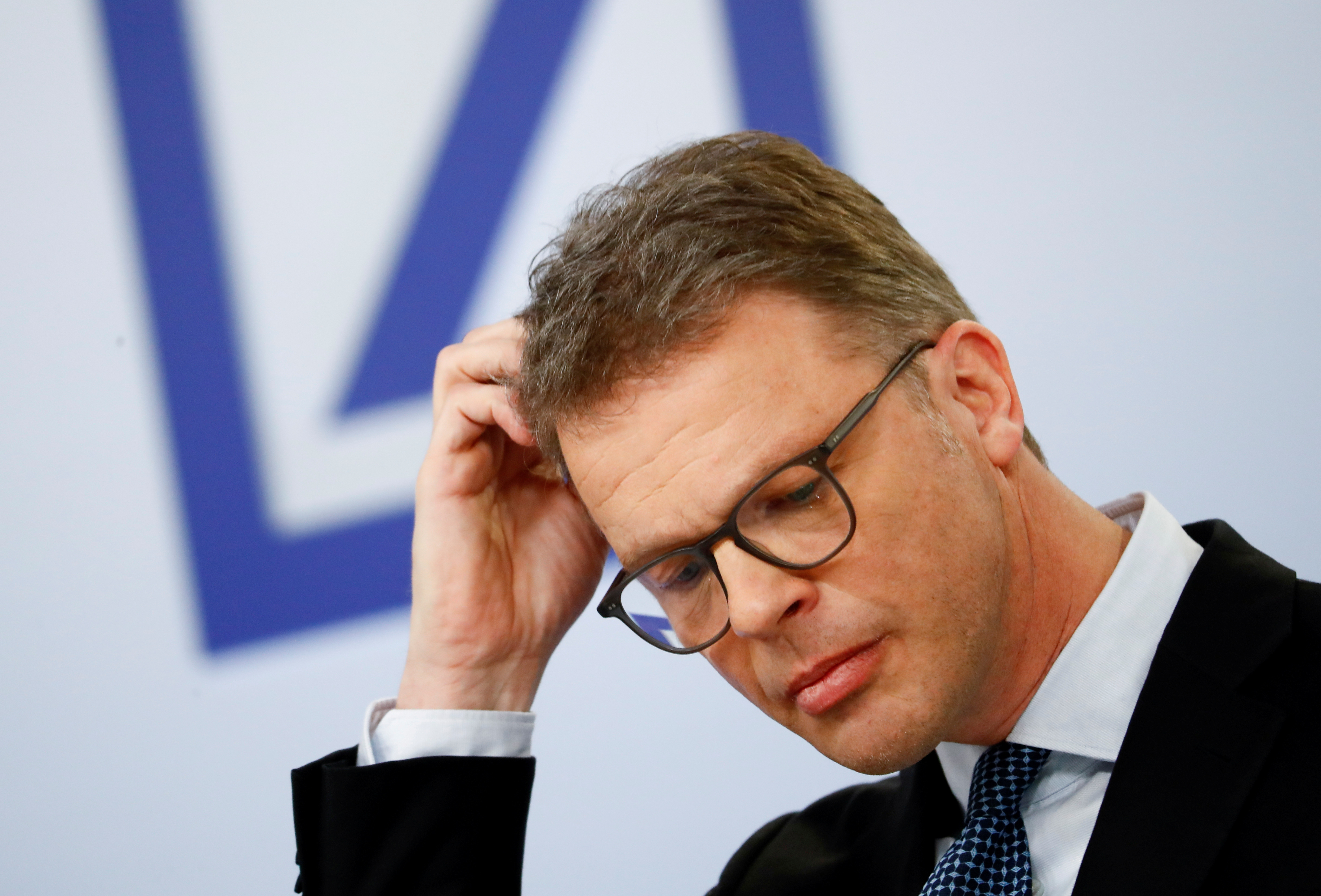 Christian Sewing, CEO of Deutsche Bank AG, gestures during the bank's annual news conference in Frankfurt, Germany January 30, 2020. REUTERS/Ralph Orlowski/File Photo