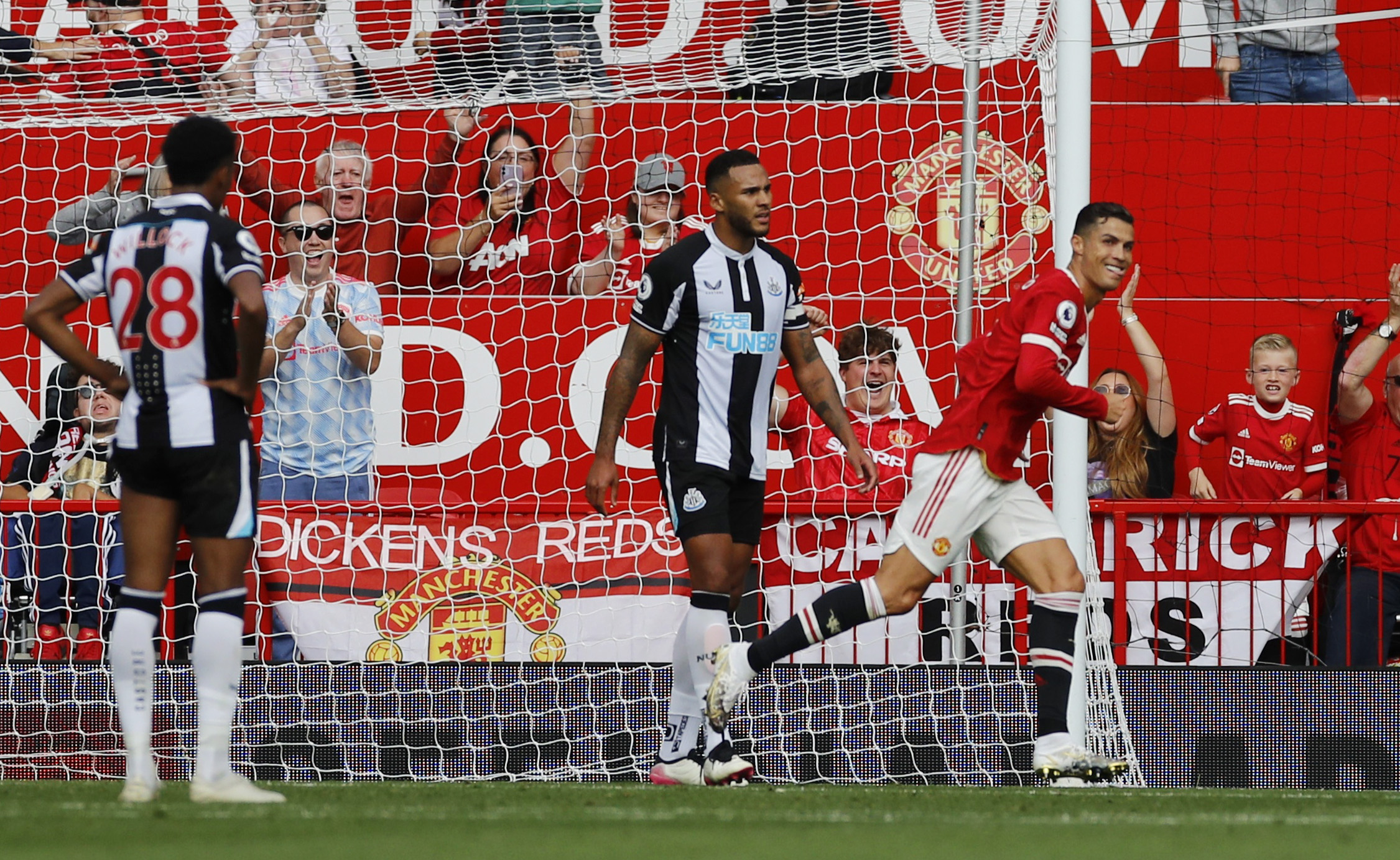 Soccer Football - Premier League - Manchester United v Newcastle United - Old Trafford, Manchester, Britain - September 11, 2021 Manchester United's Cristiano Ronaldo celebrates scoring their first goal REUTERS/Phil Noble