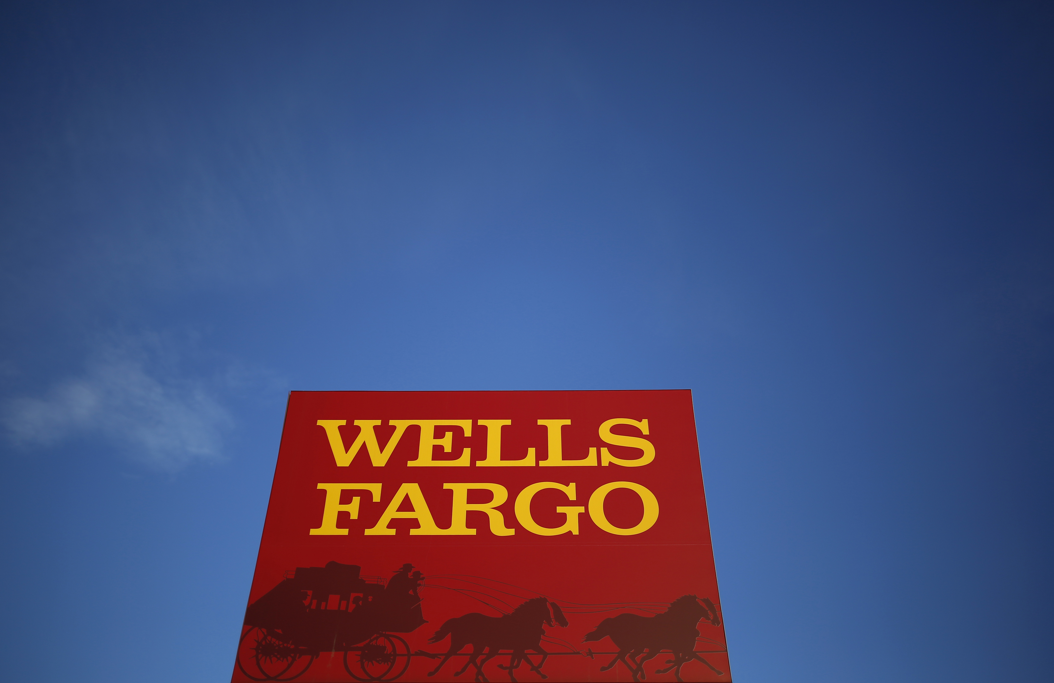 A Wells Fargo branch in Evanston, Illinois, Feb. 10, 2015.  REUTERS/Jim Young