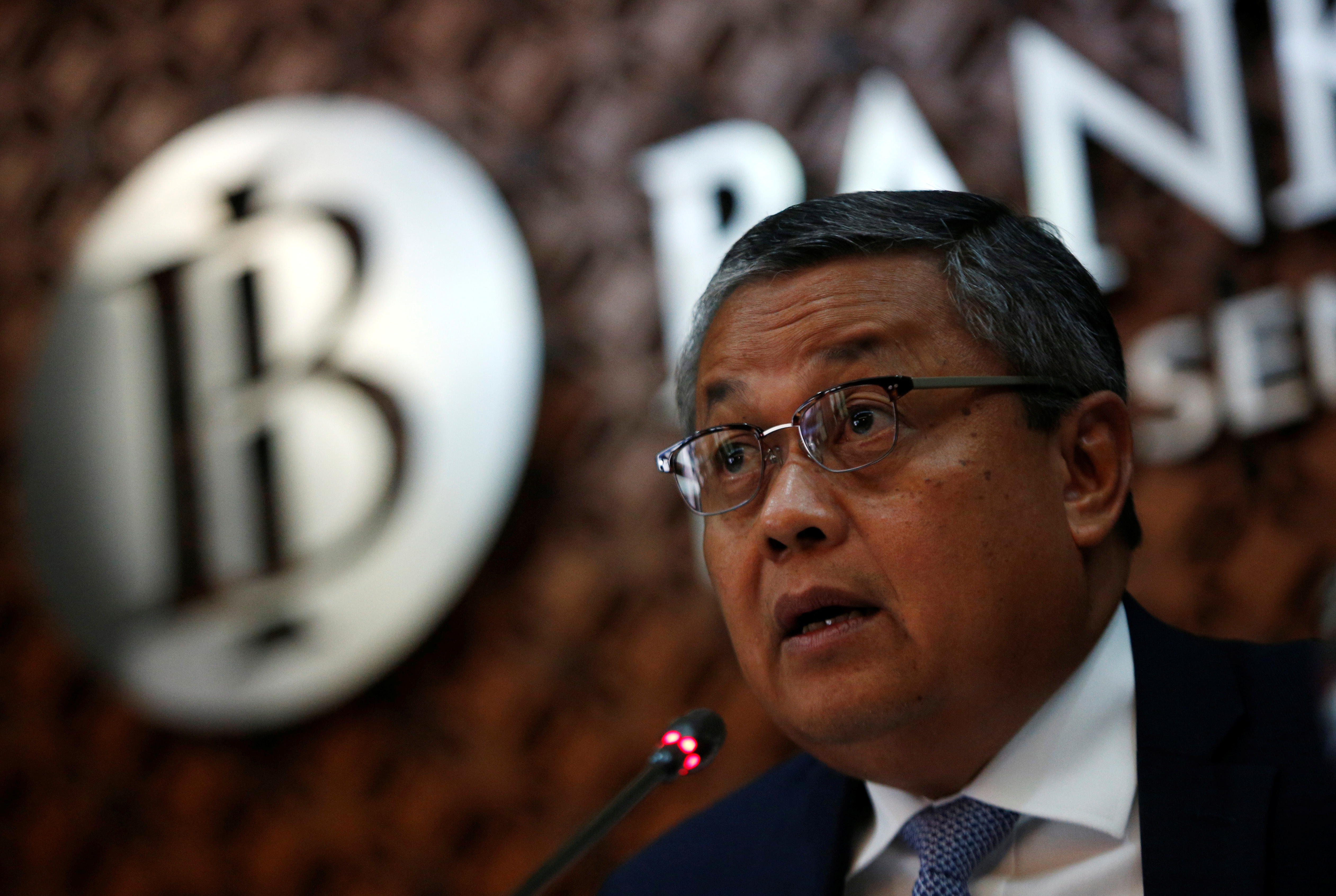 Bank Indonesia Governor Perry Warjiyo speaks during a media briefing at Bank Indonesia headquarters in Jakarta, Indonesia, November 15, 2018. REUTERS/Willy Kurniawan