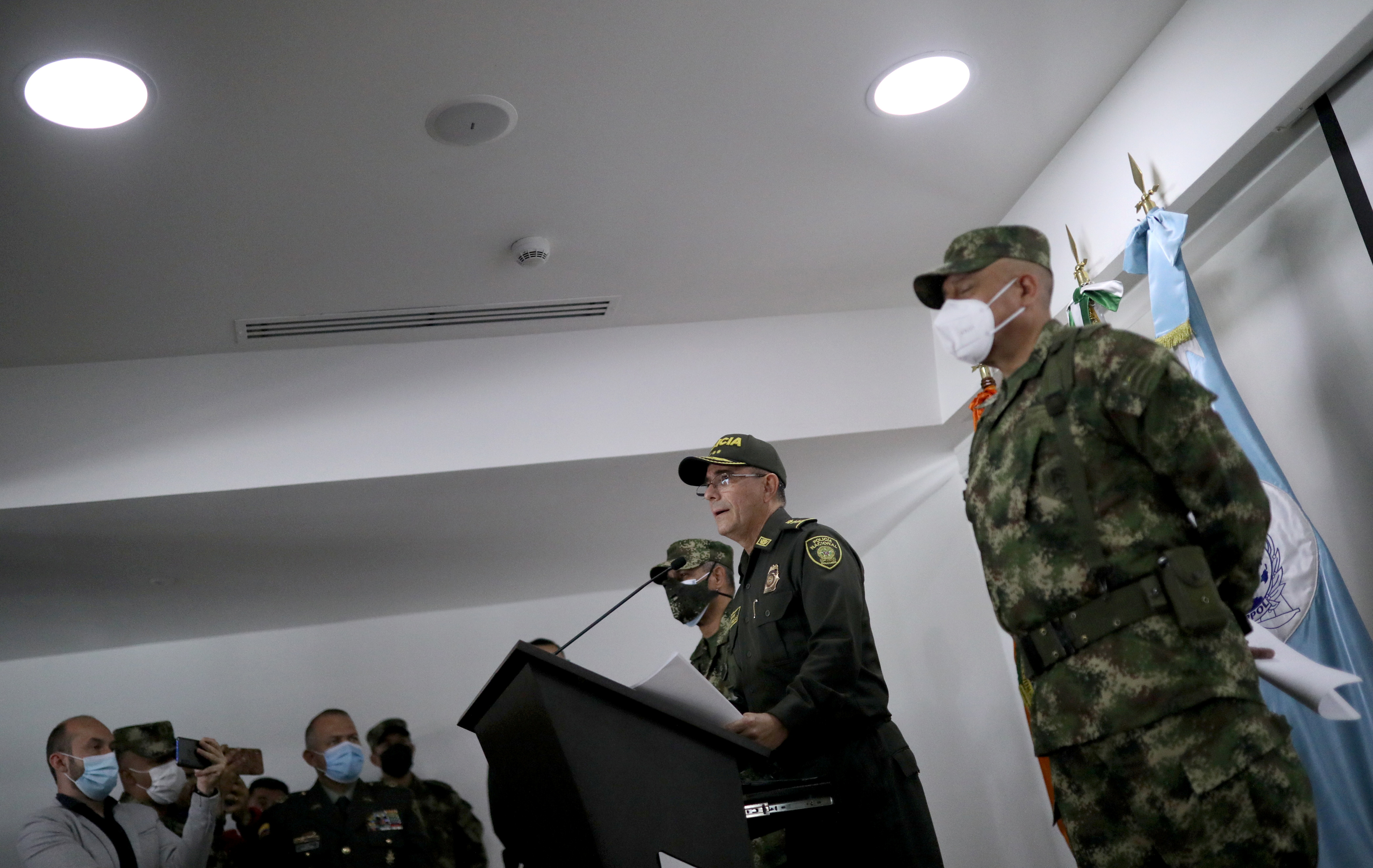 Colombia's National Police Director General Jorge Luis Vargas flanked by Commander of the Colombian Military Forces, General Luis Fernando Navarro, speaks during a news conference about the participation of several Colombians in the assassination of Haitian President Jovenel Moise, in Bogota, Colombia July 9, 2021. REUTERS/Luisa Gonzalez