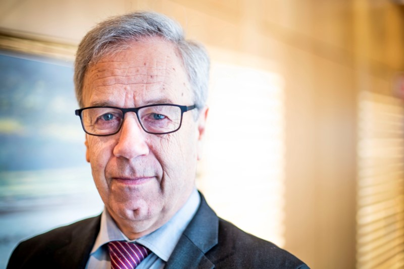 Norway's Central Bank Governor Oeystein Olsen poses in his office at Norges Bank, Oslo, Norway February 13, 2020.  NTB Scanpix/Hakon Mosvold Larsen via REUTERS   ATTENTION EDITORS - THIS IMAGE WAS PROVIDED BY A THIRD PARTY. NORWAY OUT. NO COMMERCIAL OR EDITORIAL SALES IN NORWAY./File Photo