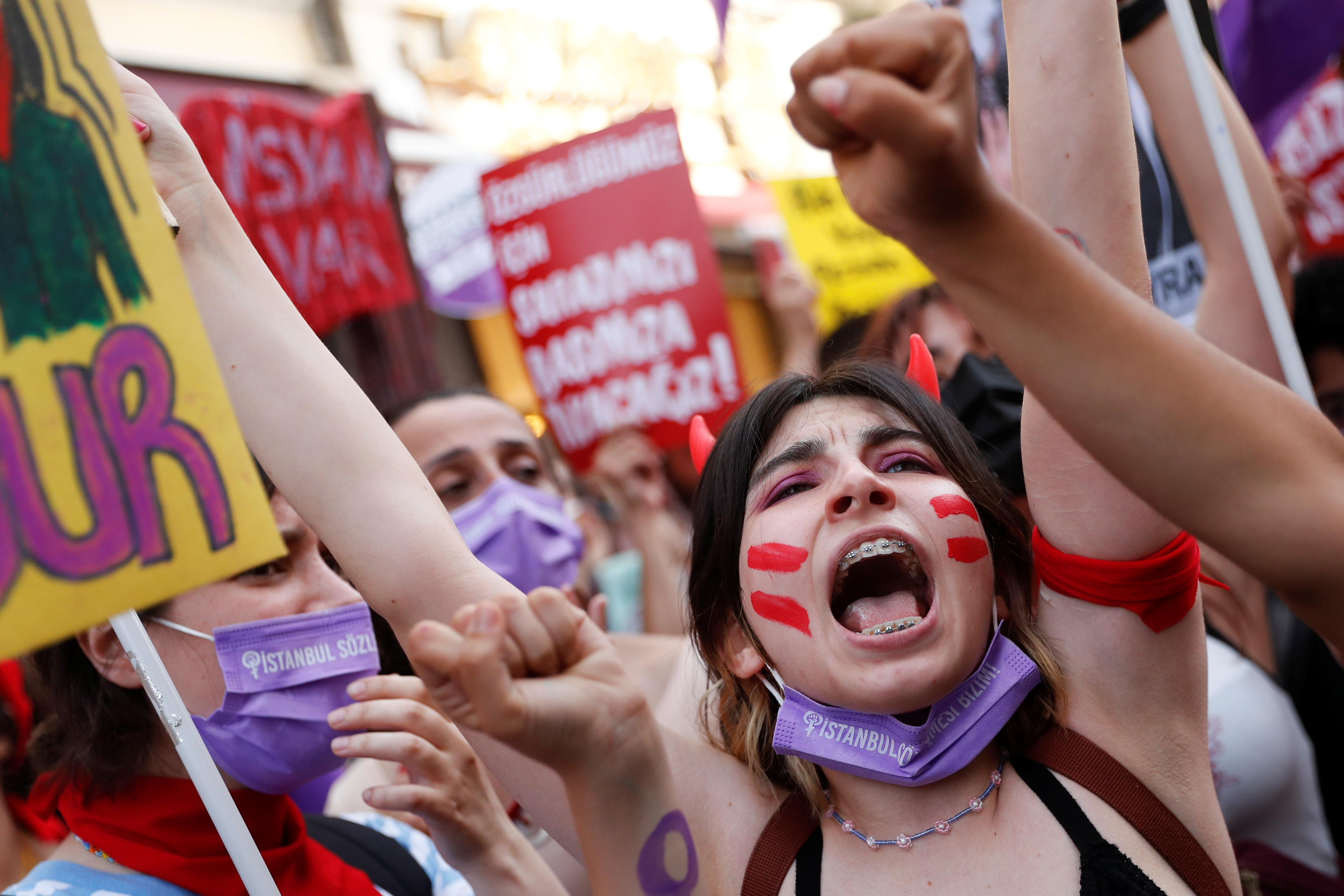 Thousands of Women Protest as Turkey Quits International Treaty Fighting Violence Against Women