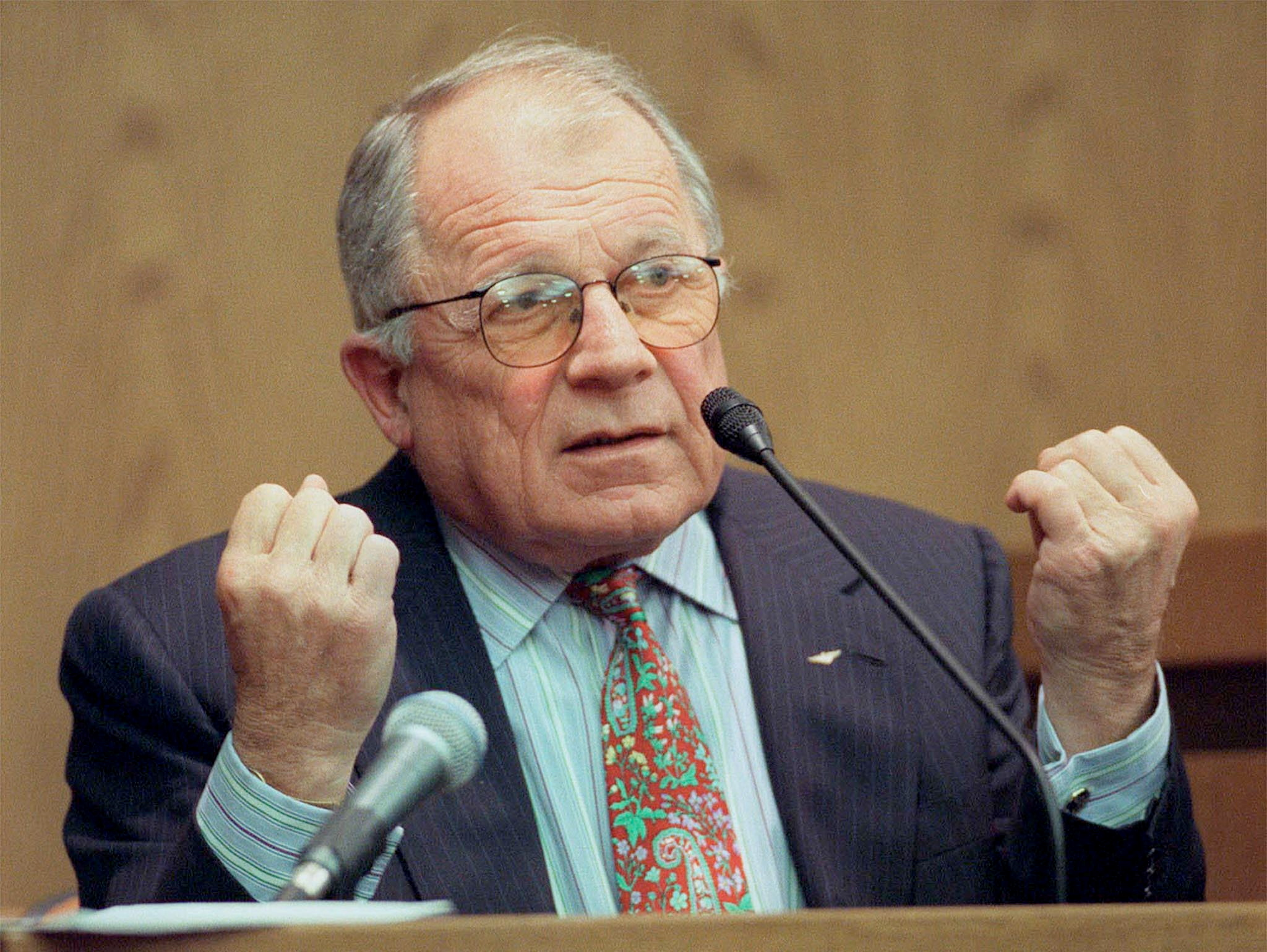 DefenSe attorney F. Lee Bailey testifies during the opening day in the jury trial of a wrongful imprisonment lawsuit against the state of Ohio brought by Sam Reese Sheppard February 14 in Cleveland.