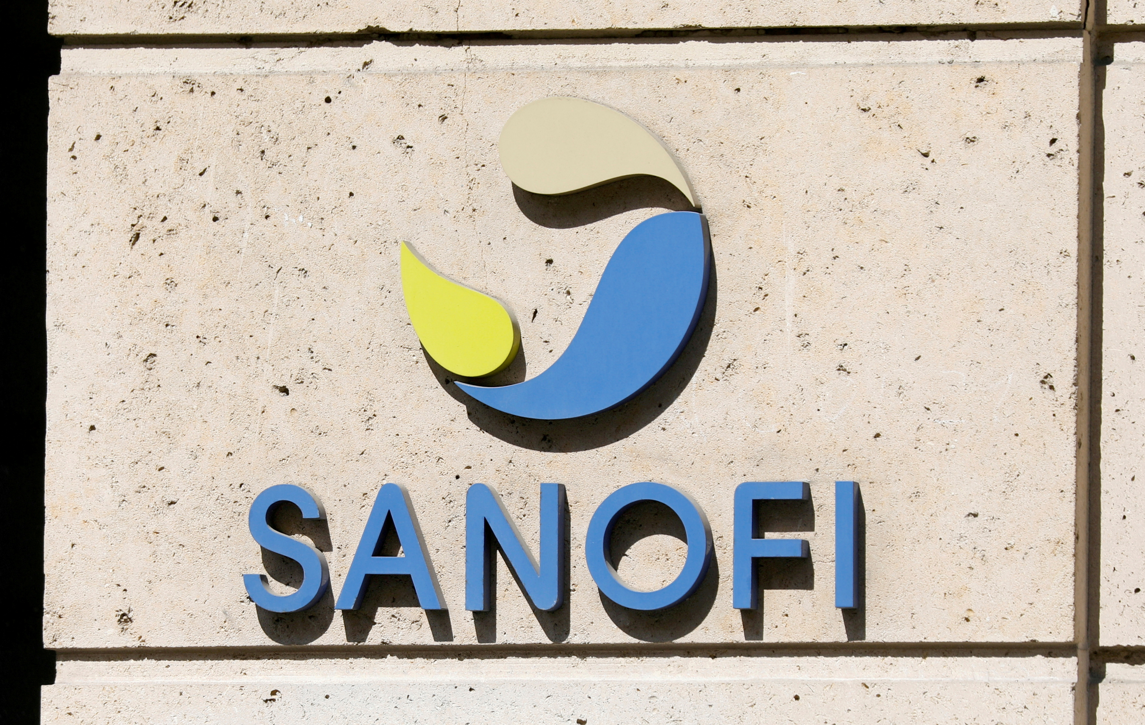 The logo of Sanofi is seen at the company's headquarters in Paris, France, April 24, 2020. REUTERS/Charles Platiau