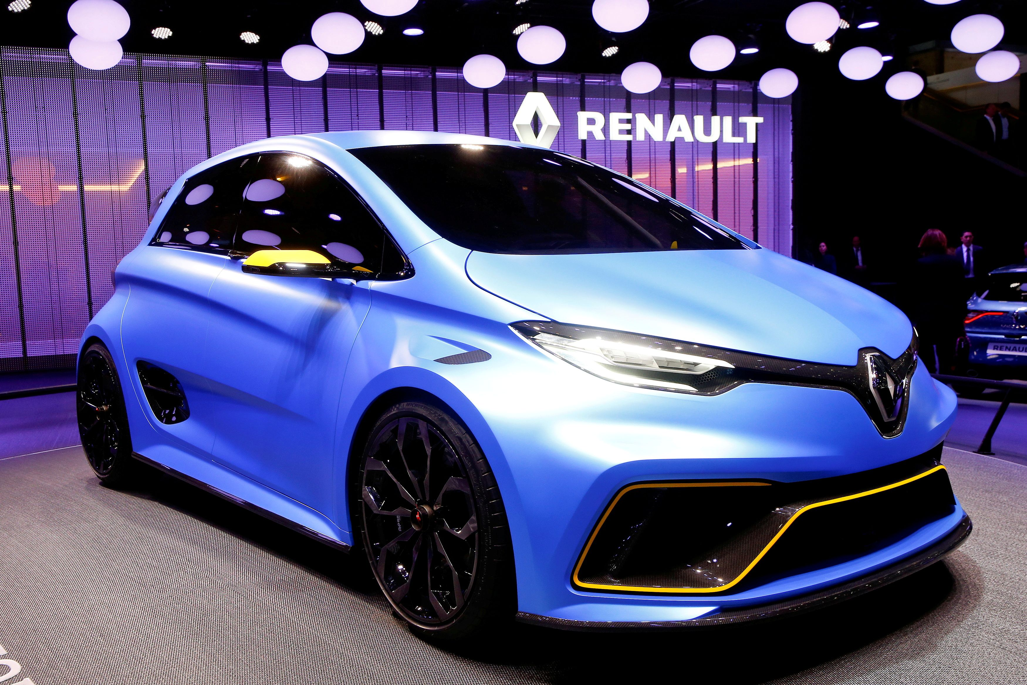 A Renault Zoe E-Sport concept car is seen during the 87th International Motor Show at Palexpo in Geneva, Switzerland March 8, 2017. REUTERS/Arnd Wiegmann/File Photo