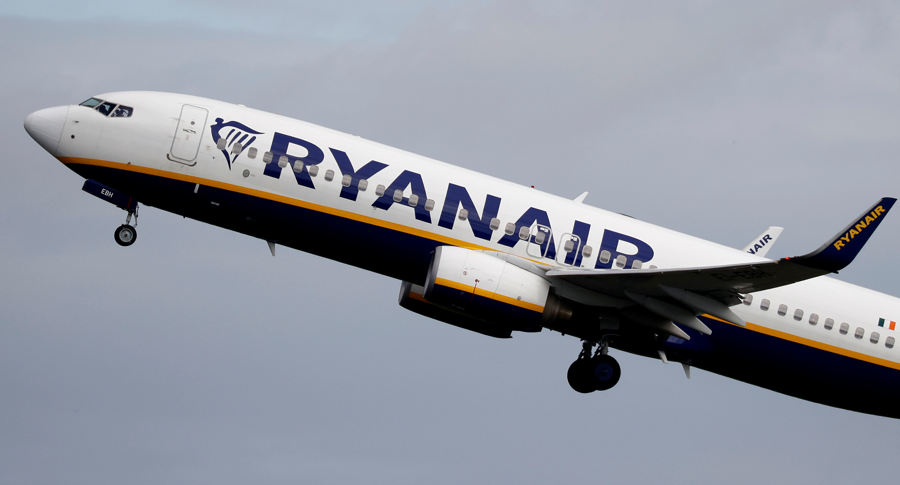 A Ryanair plane takes off from Manchester Airport as the spread of the coronavirus disease (COVID-19) continues in Manchester, Britain June 21, 2020. Picture taken June 21, 2020. REUTERS/Phil Noble