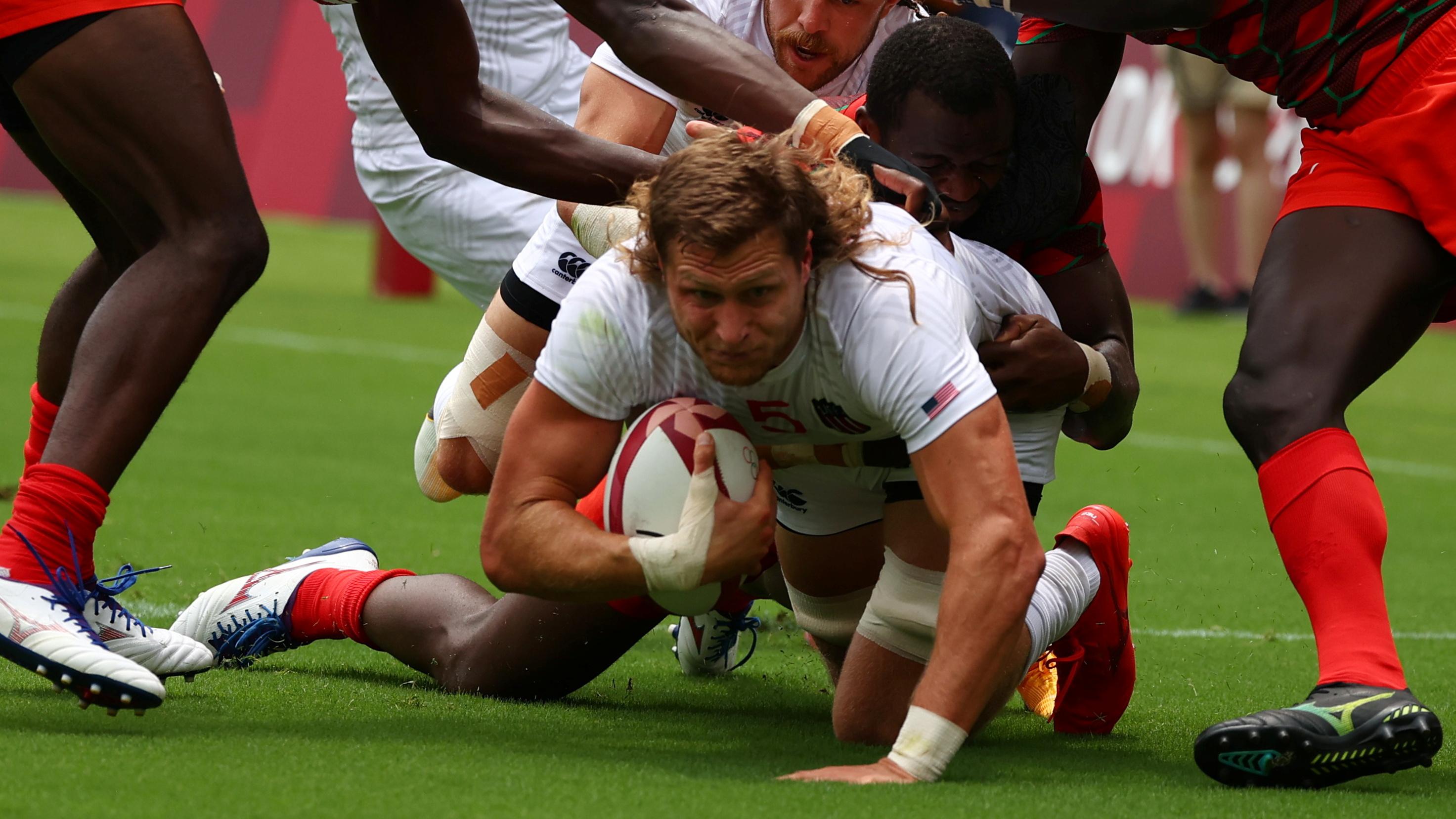 Tokyo 2020 Olympics - Rugby Sevens - Men - Pool C - United States v Kenya - Tokyo Stadium - Tokyo, Japan - July 26, 2021. Joe Schroeder of the United States in action. REUTERS/Siphiwe Sibeko - SP1EH7Q07TH05