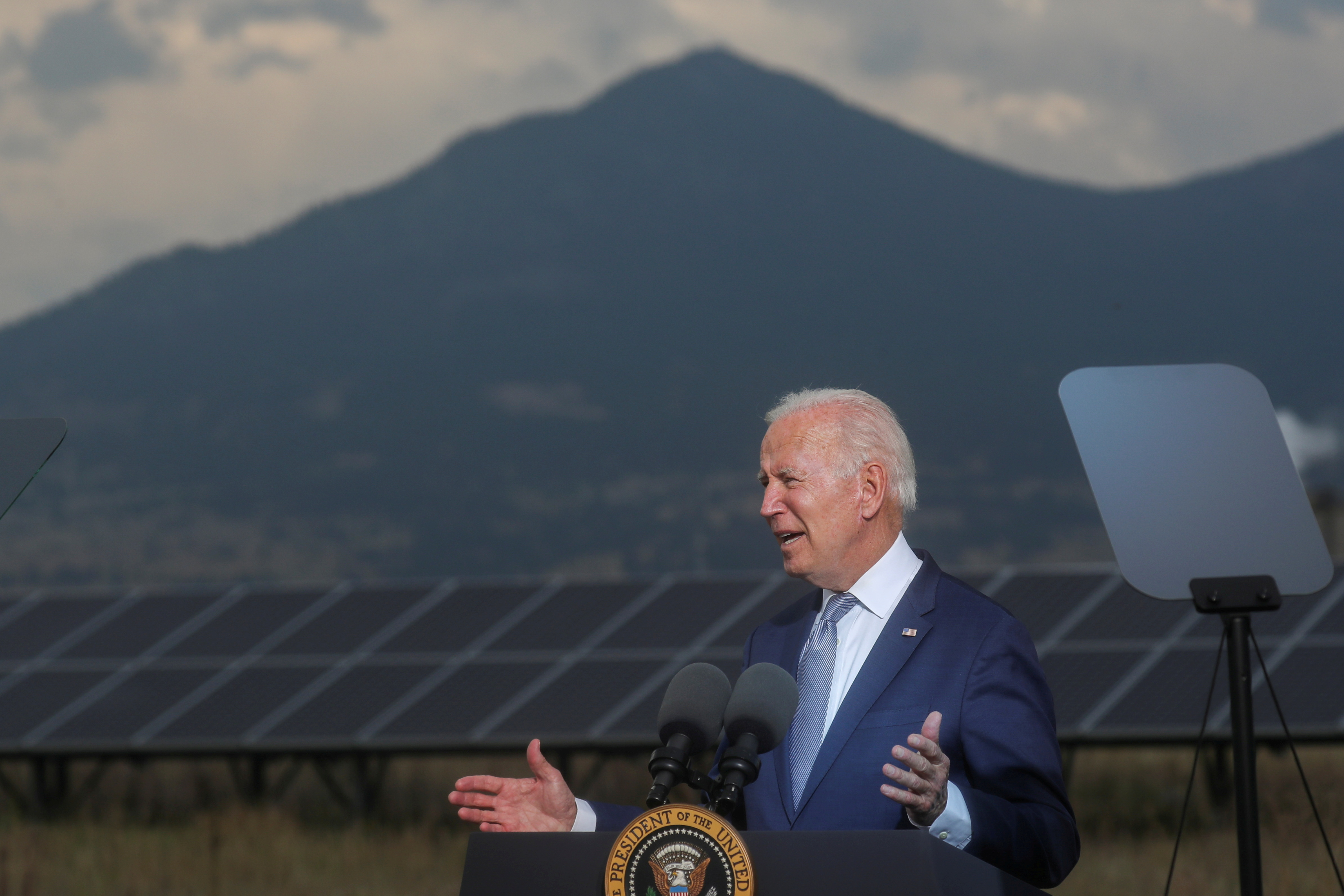President Biden makes remarks to promote his infrastructure spending proposals during a visit to the Flatirons Campus Laboratories and Offices of the National Renewable Energy Laboratory (NREL), in Arvada, Colorado, September 14, 2021. REUTERS/Leah Millis
