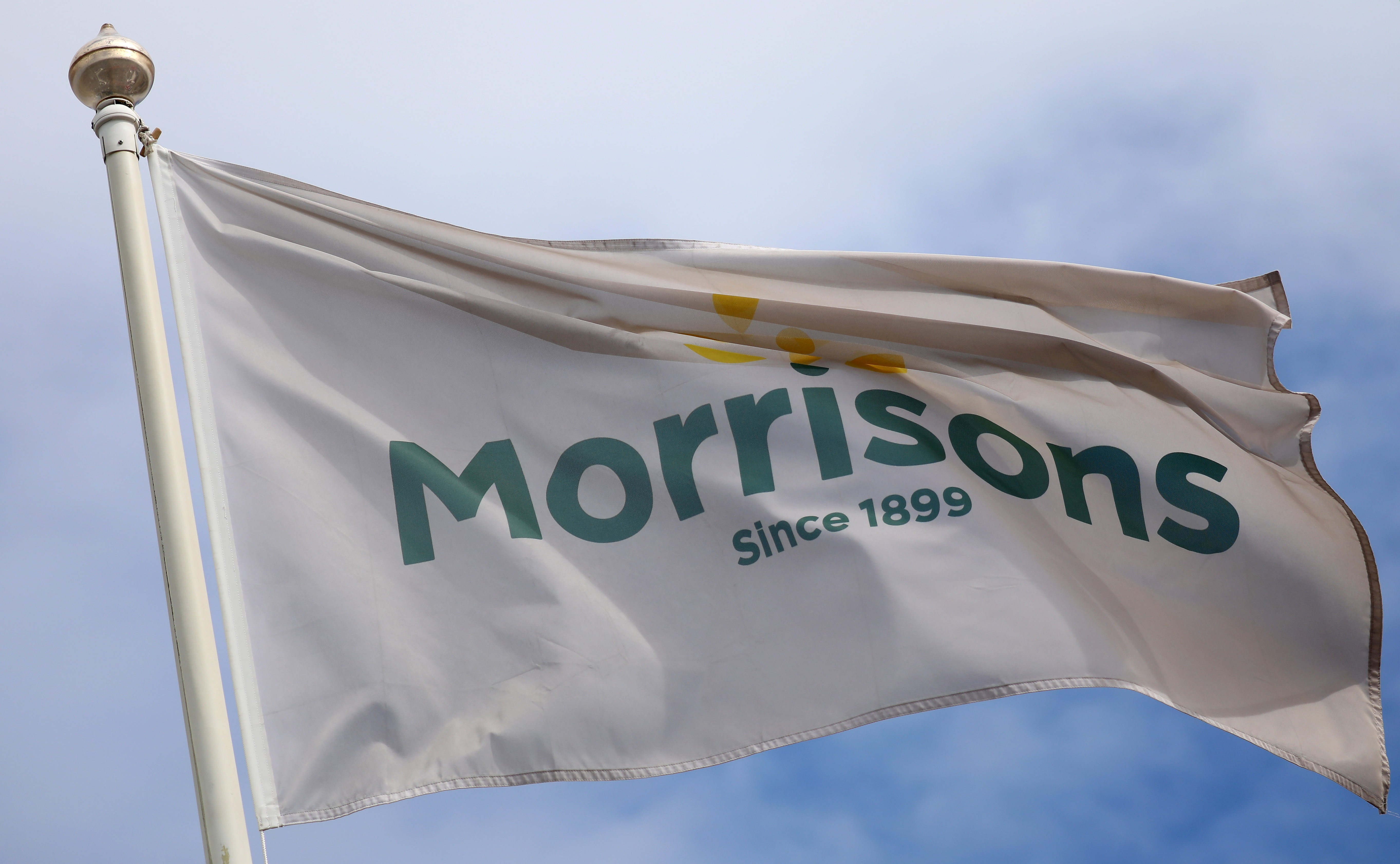 Morrisons' fate to be decided in  bln Saturday shootout