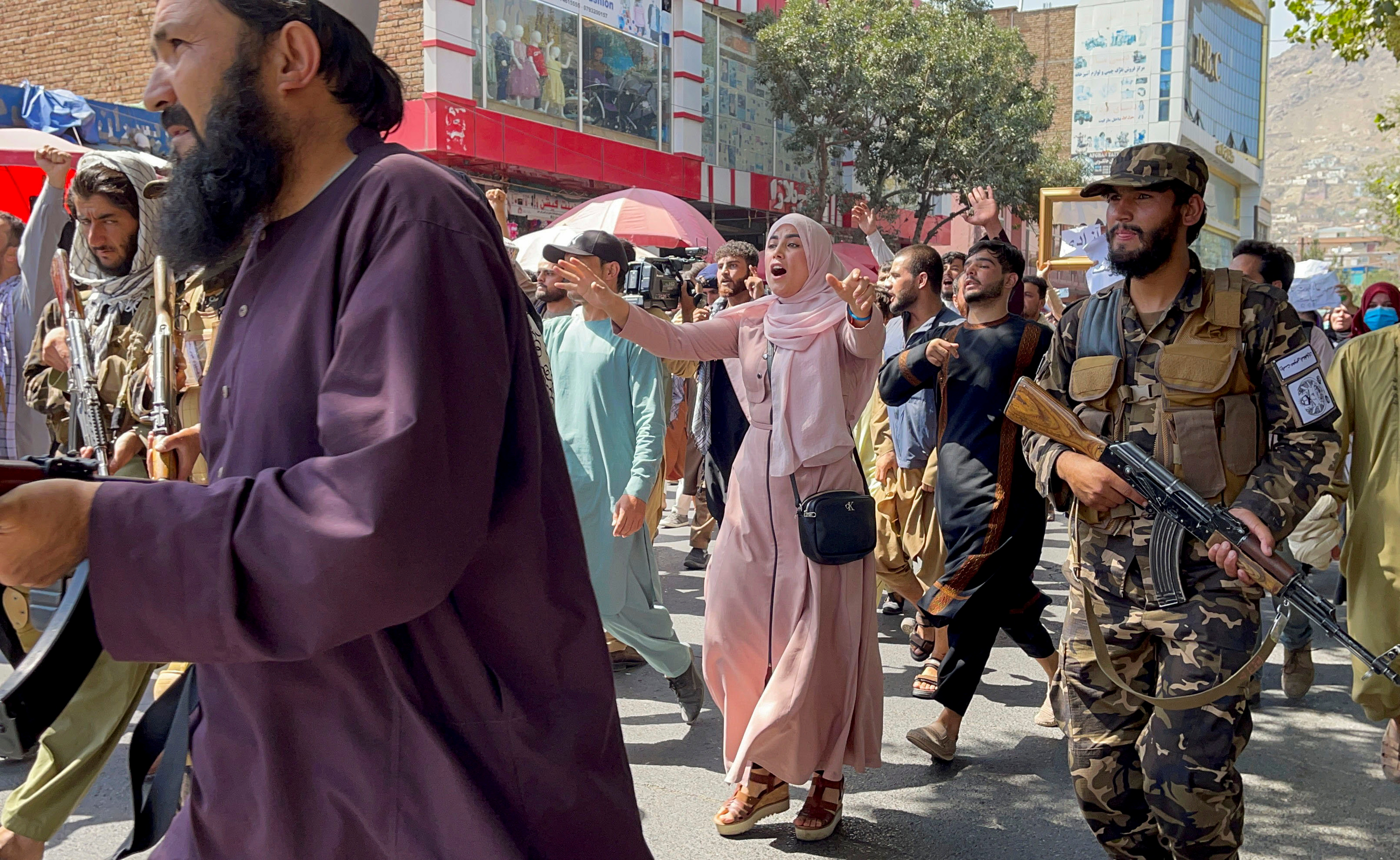 Afghan demonstrators shout slogans during an anti-Pakistan protest, near the Pakistan embassy in Kabul, Afghanistan, September 7, 2021. REUTERS/Stringer