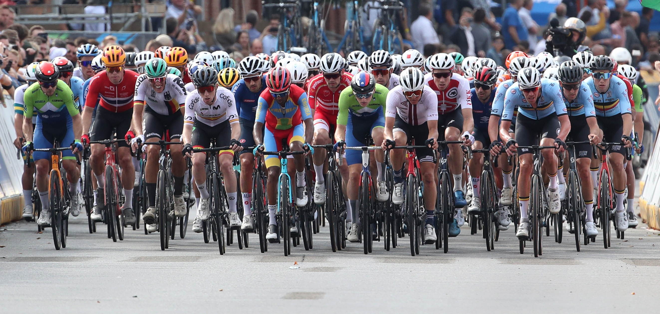 Cycling - UCI Road World Championships - Leuven, Belguim - September 26, 2021 General view of the pack in action during the race REUTERS/Yves Herman