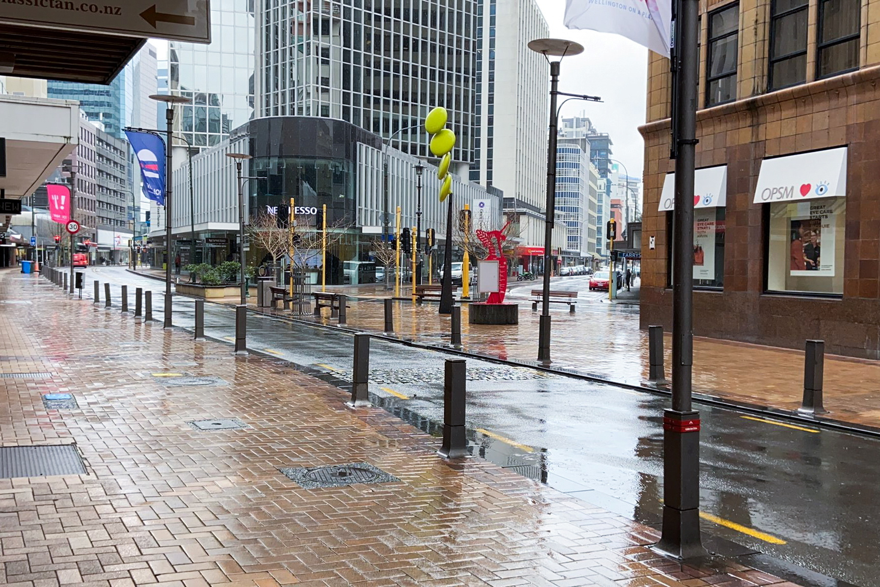 Lambton Quay is devoid of people on the first day of a lockdown to curb the spread of the coronavirus disease (COVID-19) in Wellington, New Zealand, August 18, 2021.  REUTERS/Praveen Menon