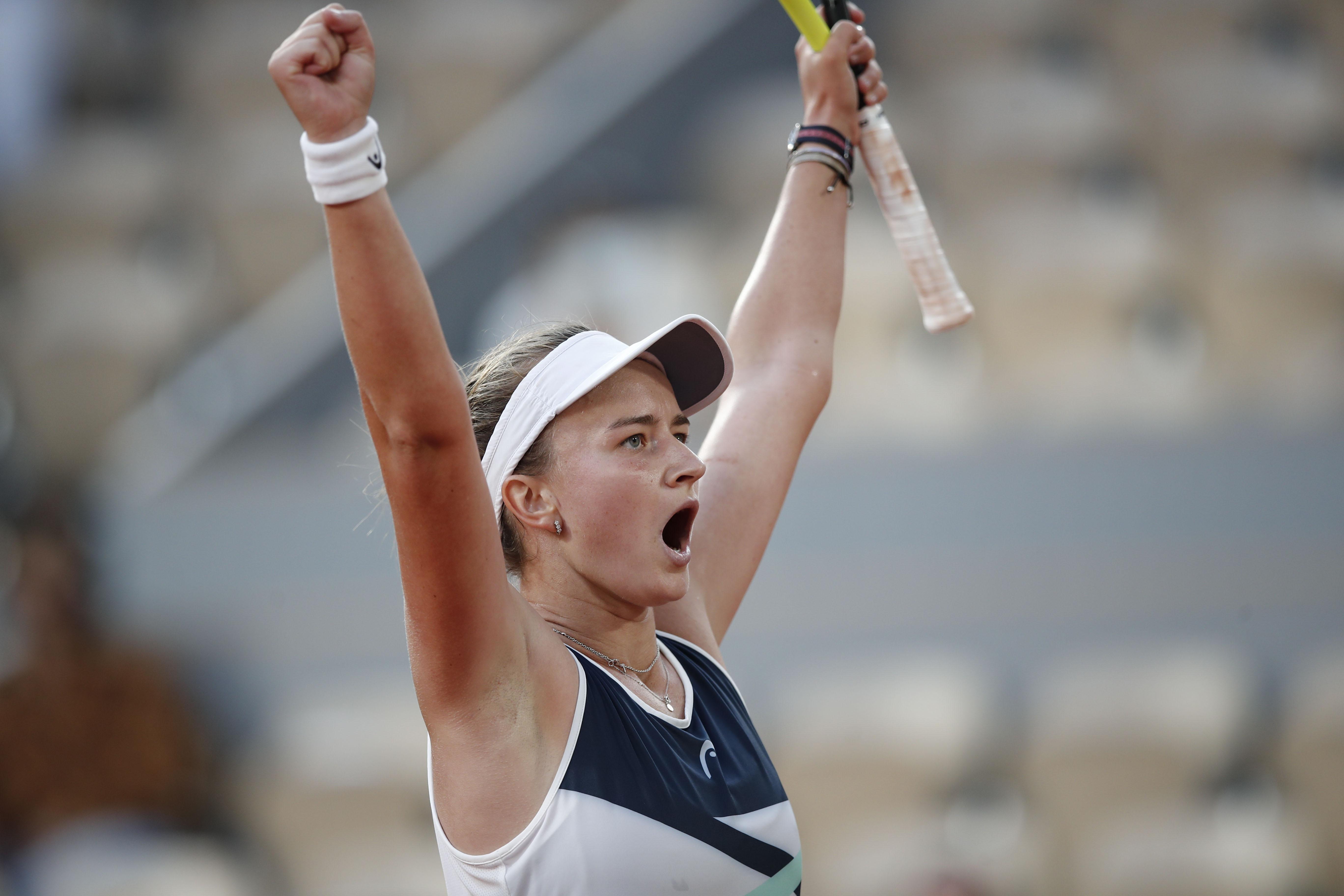 Tennis - French Open - Roland Garros, Paris, France - June 10, 2021 Czech Republic's Barbora Krejcikova celebrates winning her semi final match against Greece's Maria Sakkari REUTERS/Benoit Tessier